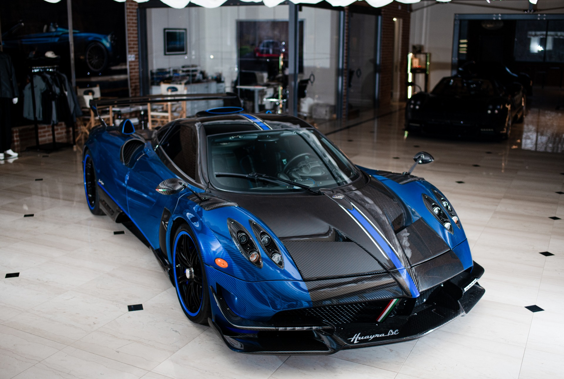 Used 2017 Pagani Huayra BC Macchina Volante For Sale In Greenwich, CT 3051_p5