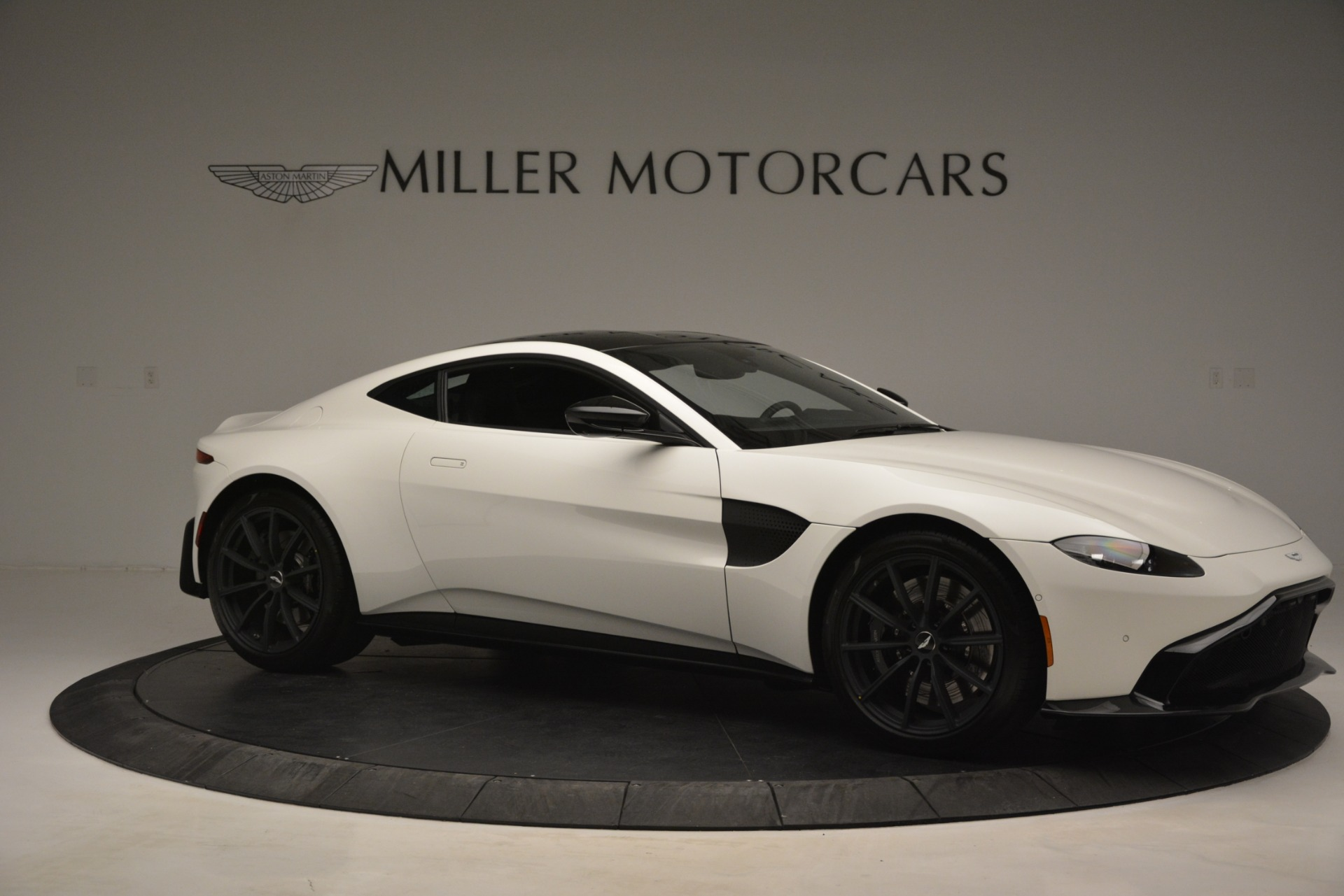 New 2019 Aston Martin Vantage Coupe For Sale In Greenwich, CT 3053_p10