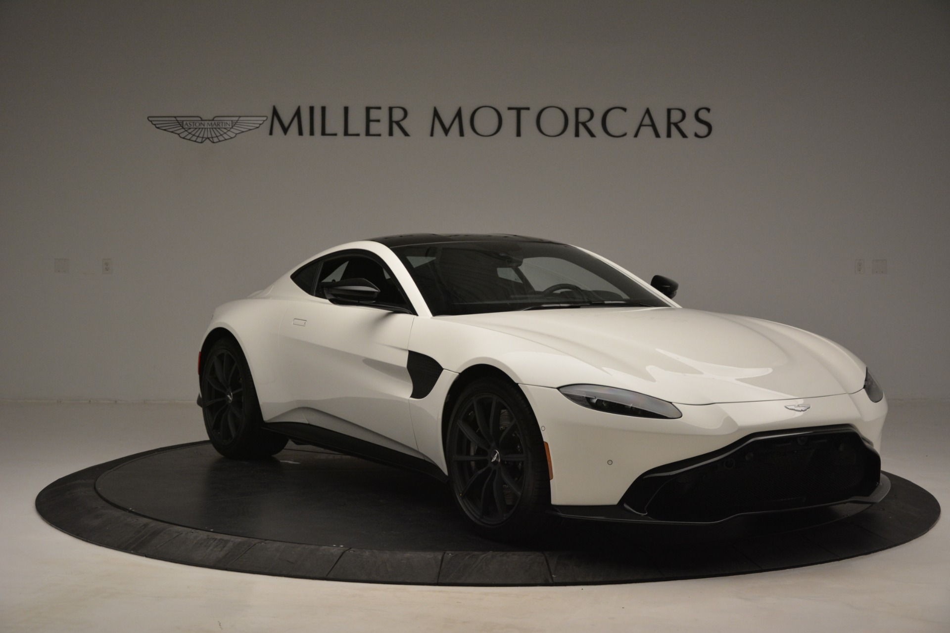 New 2019 Aston Martin Vantage Coupe For Sale In Greenwich, CT 3053_p11