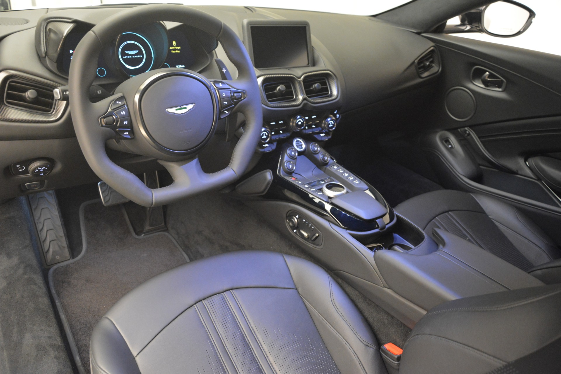 New 2019 Aston Martin Vantage Coupe For Sale In Greenwich, CT 3053_p15