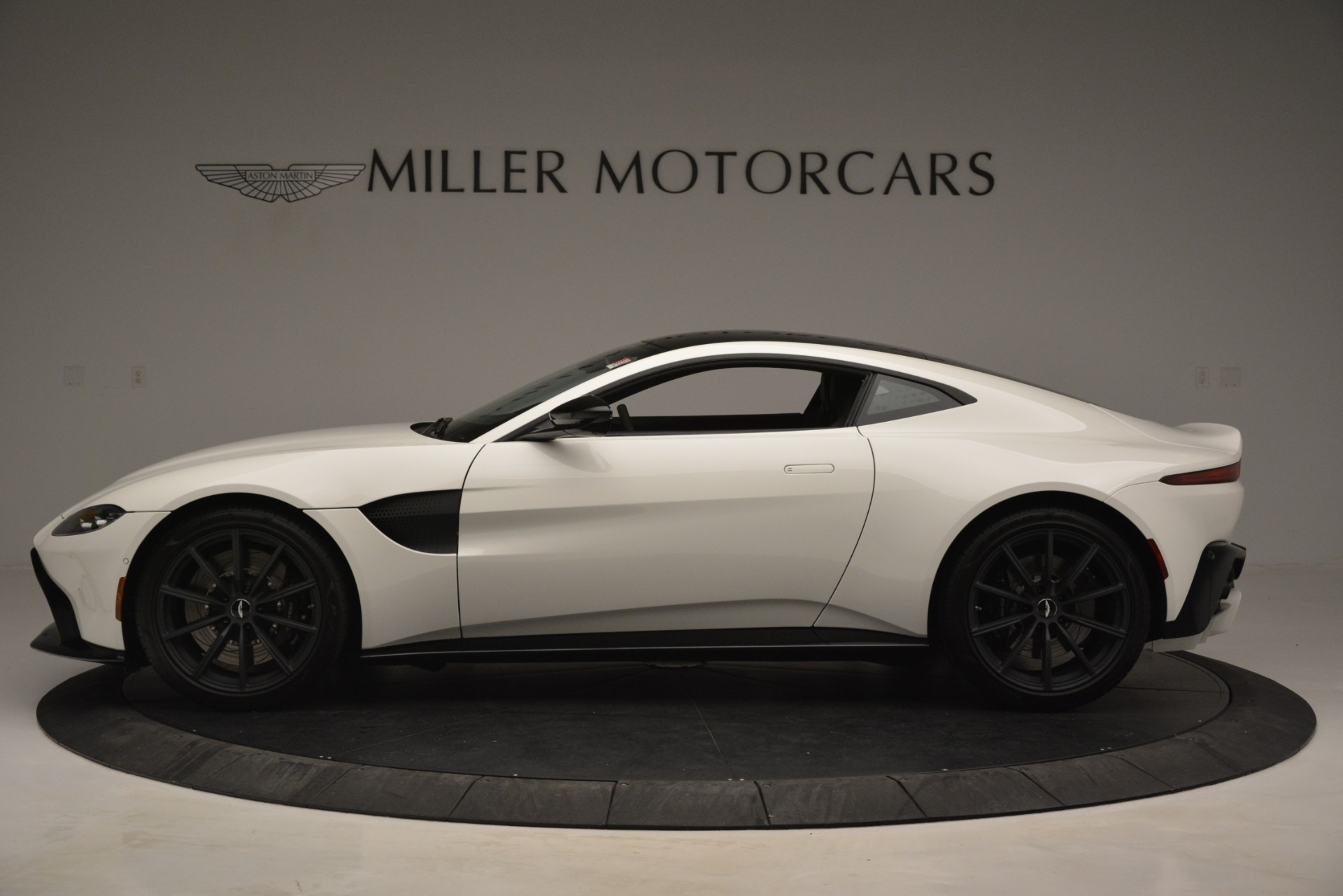 New 2019 Aston Martin Vantage Coupe For Sale In Greenwich, CT 3053_p3