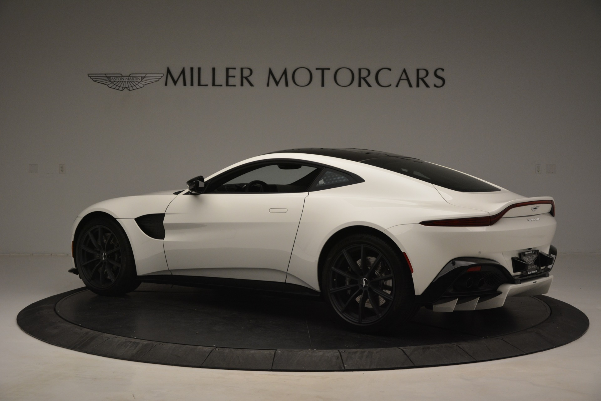 New 2019 Aston Martin Vantage Coupe For Sale In Greenwich, CT 3053_p4