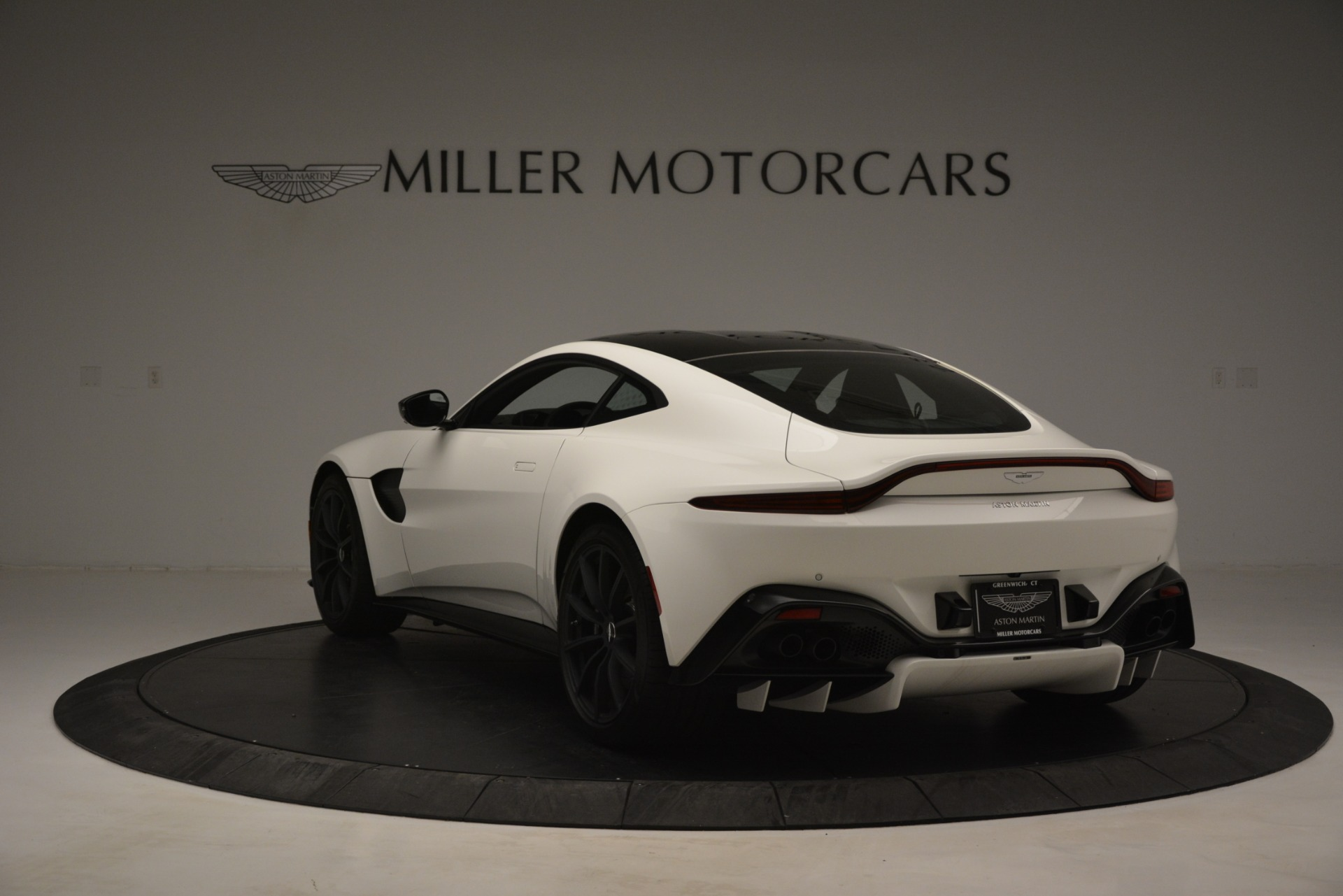 New 2019 Aston Martin Vantage Coupe For Sale In Greenwich, CT 3053_p5