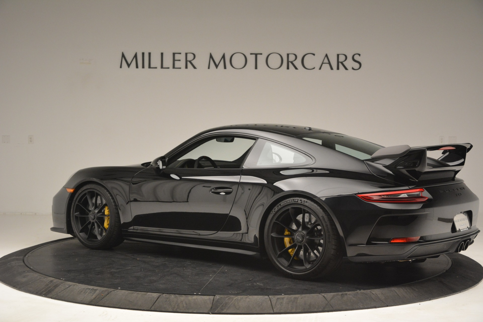 Used 2018 Porsche 911 GT3 For Sale In Greenwich, CT 3056_p3