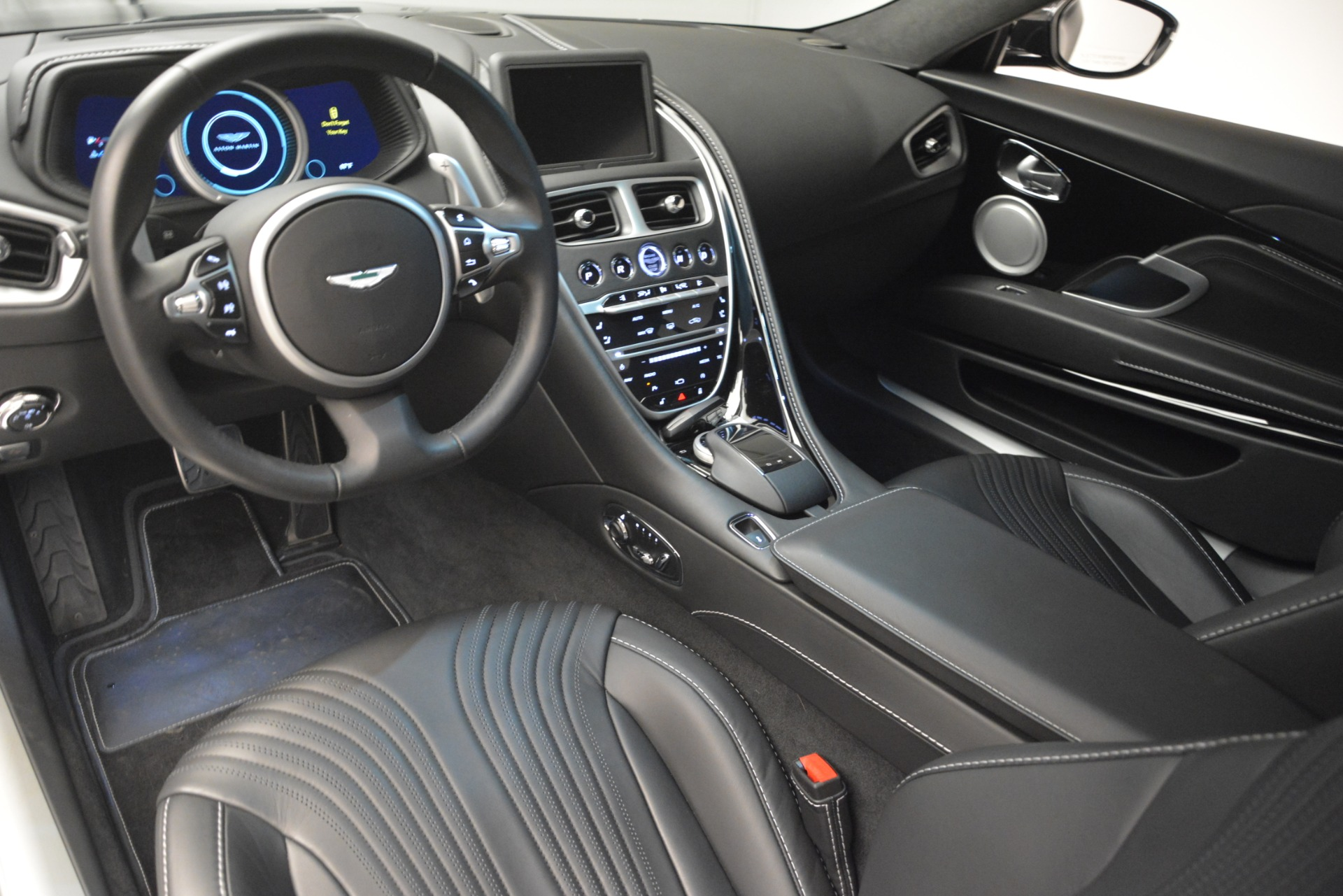 Used 2017 Aston Martin DB11 V12 Coupe For Sale In Greenwich, CT 3064_p14