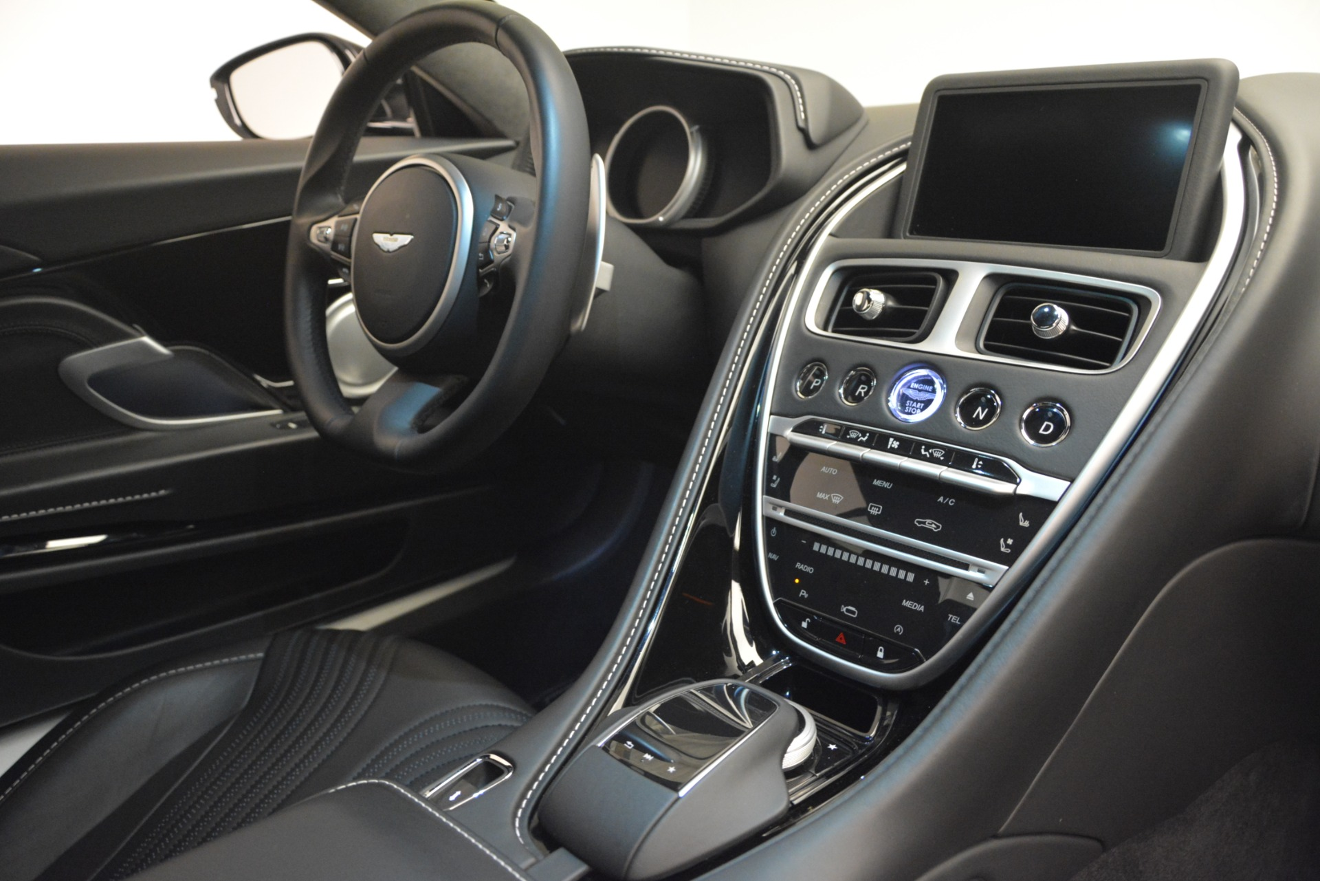 Used 2017 Aston Martin DB11 V12 Coupe For Sale In Greenwich, CT 3064_p18