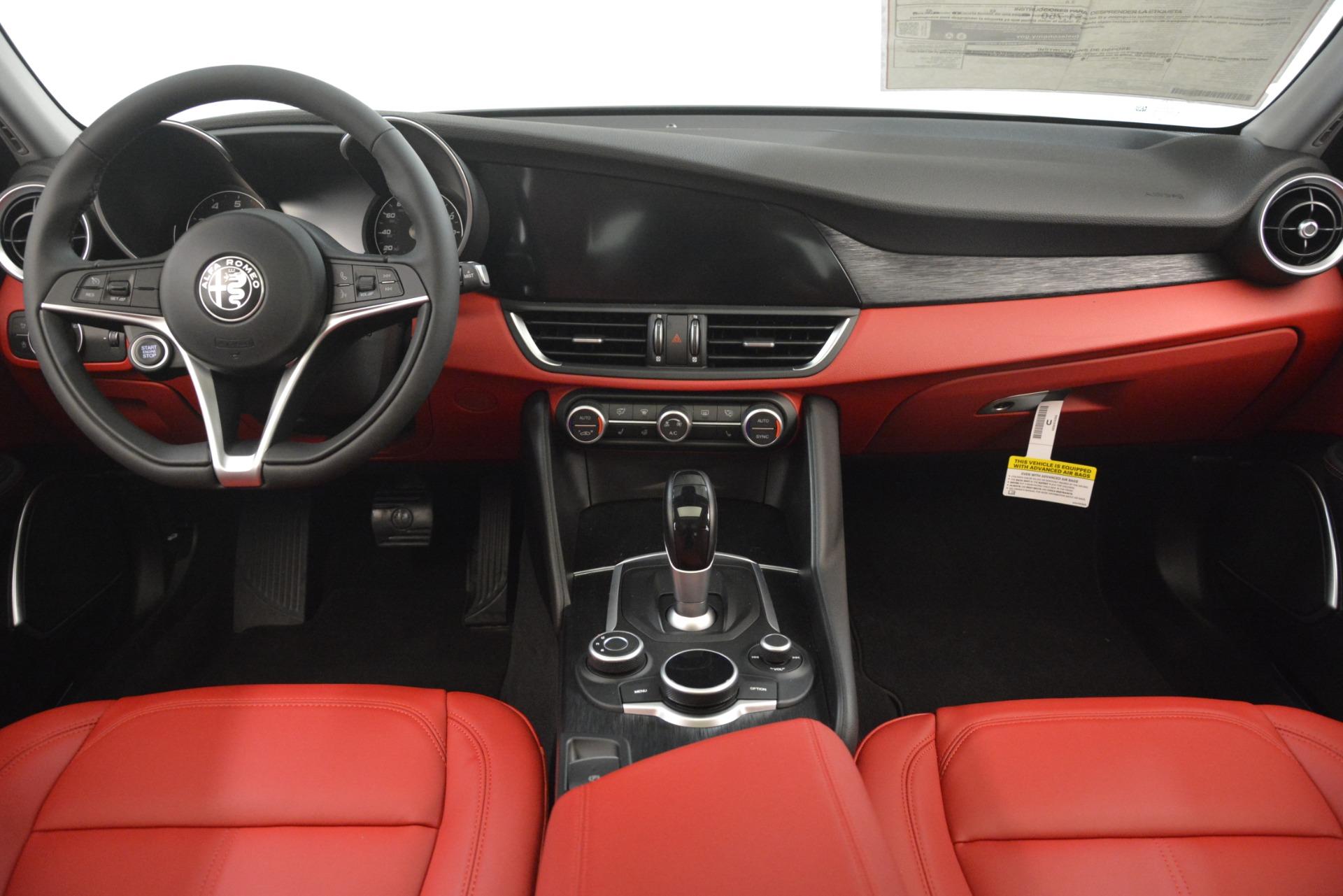 New 2019 Alfa Romeo Giulia Q4 For Sale In Greenwich, CT 3069_p16