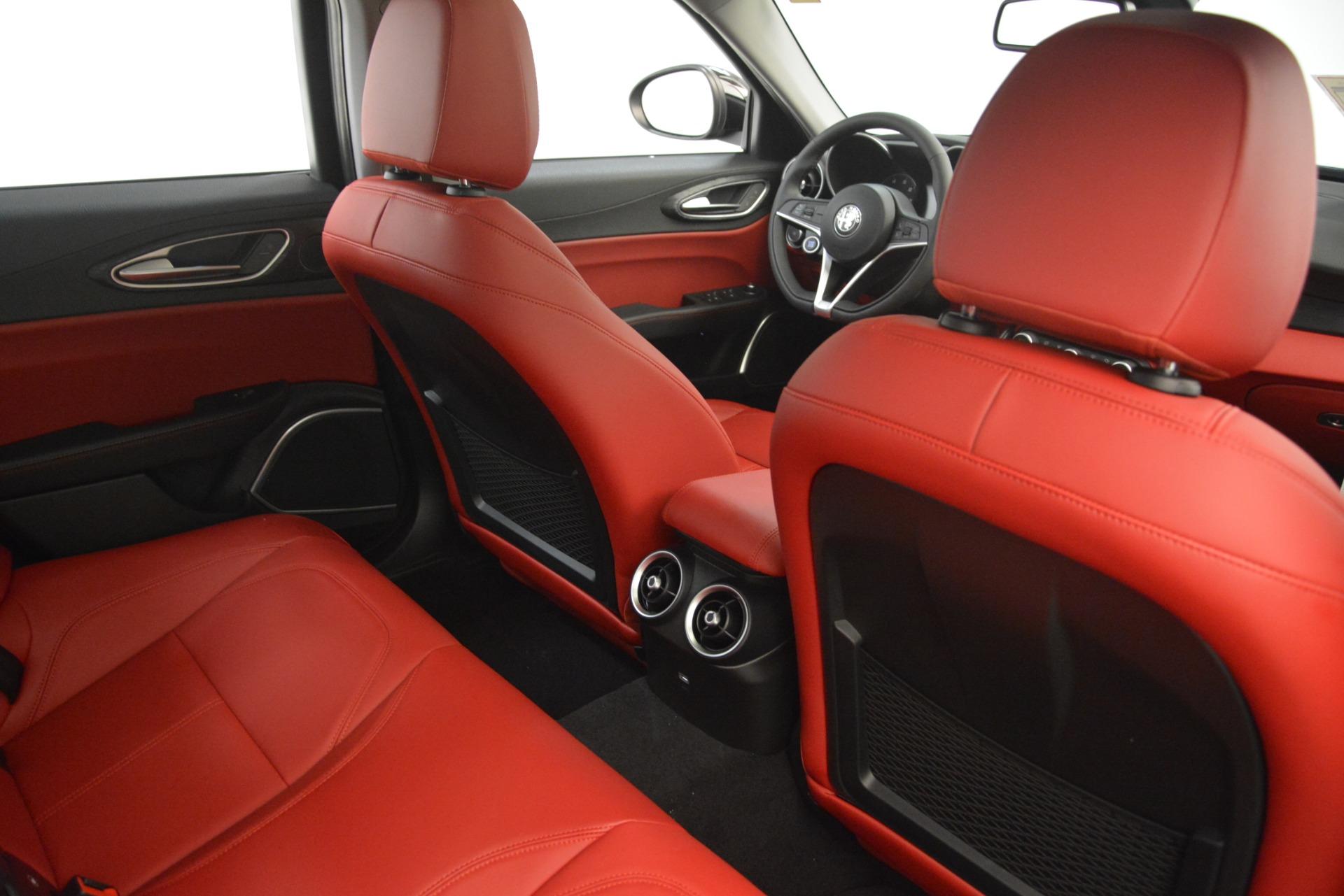 New 2019 Alfa Romeo Giulia Q4 For Sale In Greenwich, CT 3069_p28