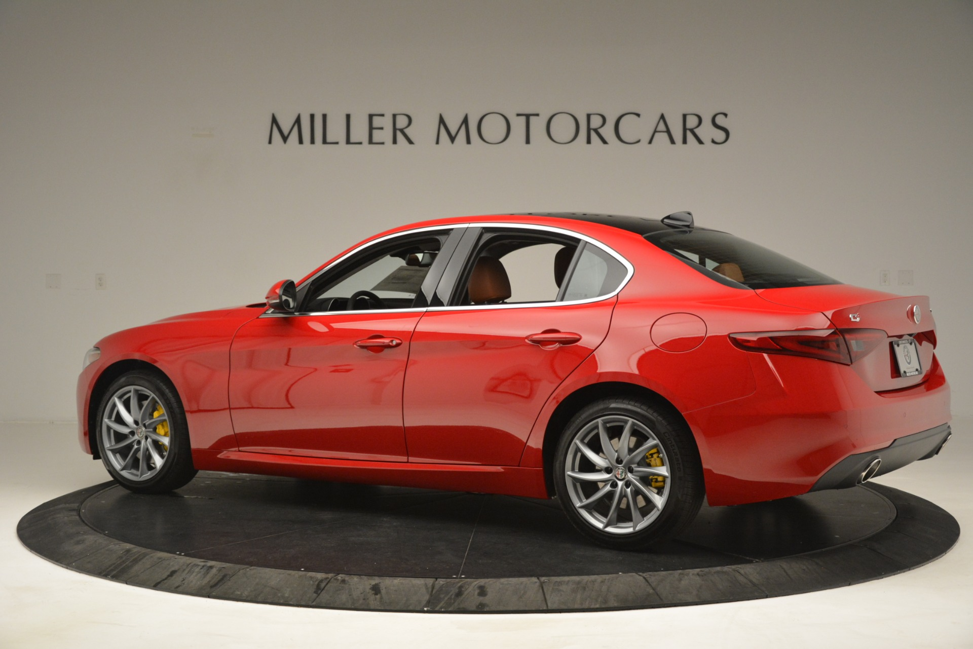 New 2019 Alfa Romeo Giulia Q4 For Sale In Greenwich, CT 3070_p4