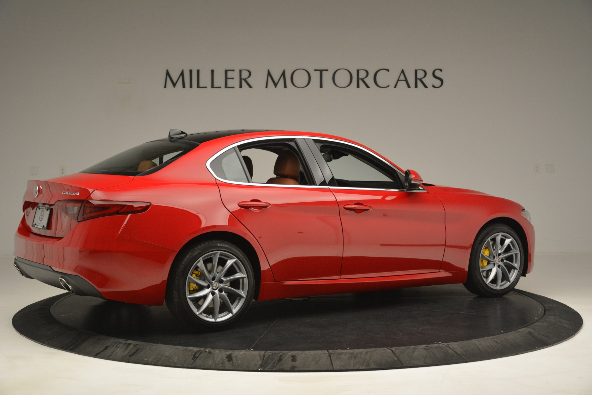 New 2019 Alfa Romeo Giulia Q4 For Sale In Greenwich, CT 3070_p8