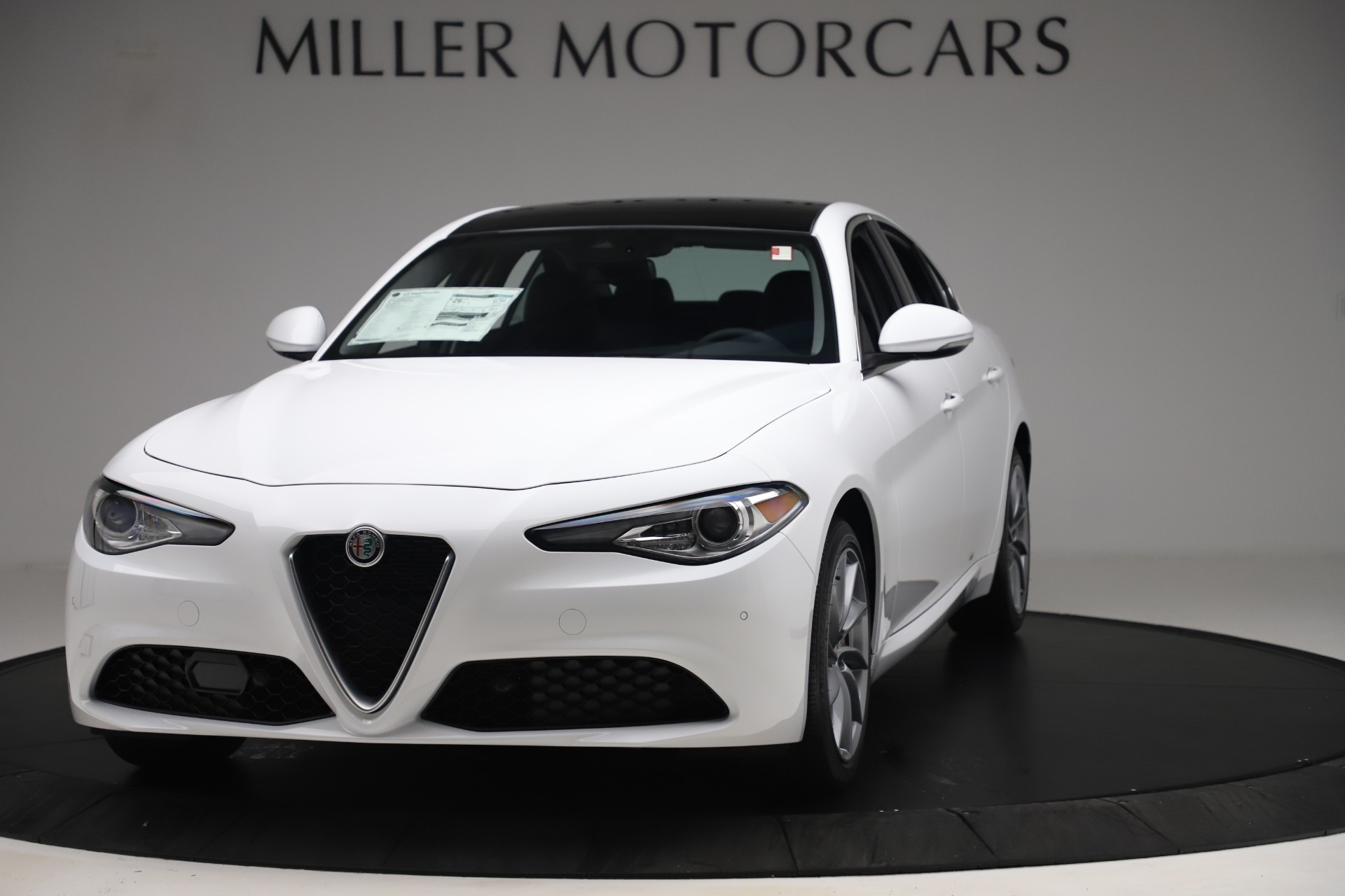 New 2019 Alfa Romeo Giulia Q4 For Sale In Greenwich, CT 3071_main