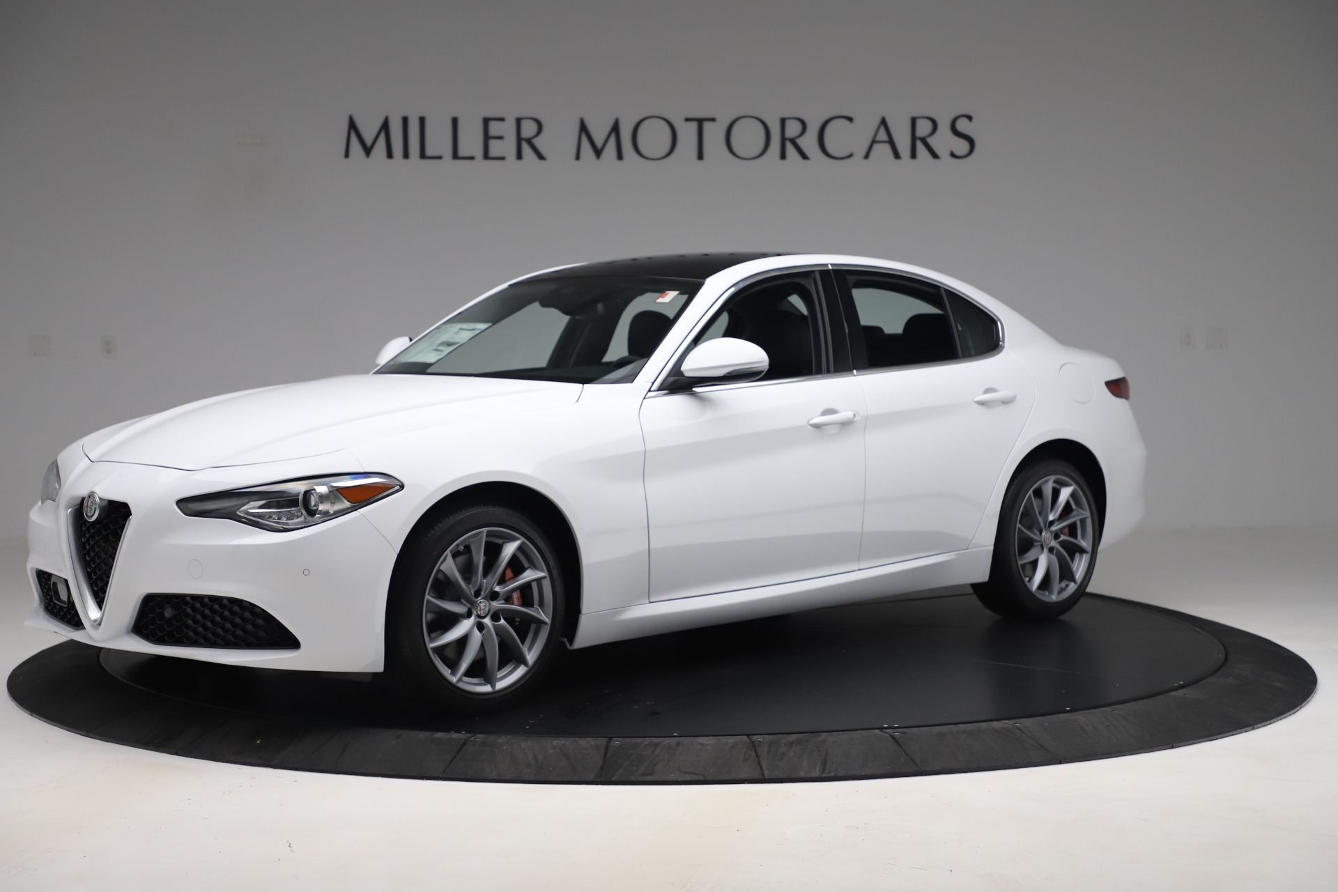 New 2019 Alfa Romeo Giulia Q4 For Sale In Greenwich, CT 3071_p2