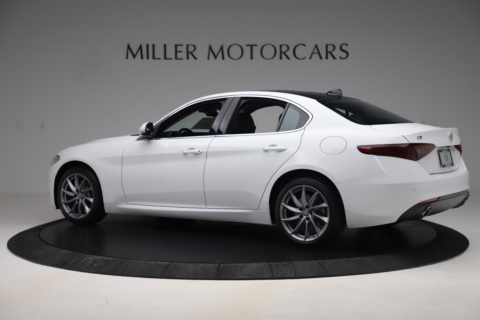New 2019 Alfa Romeo Giulia Q4 For Sale In Greenwich, CT 3071_p4