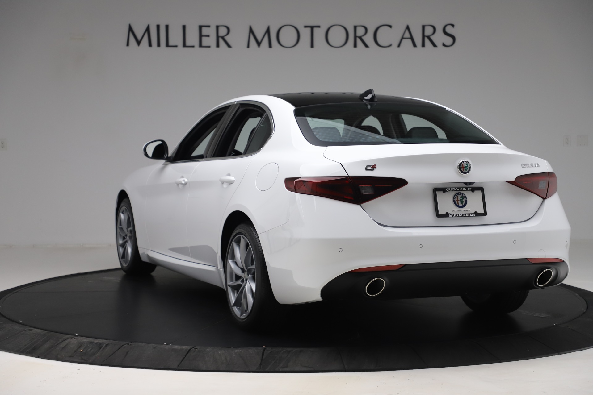 New 2019 Alfa Romeo Giulia Q4 For Sale In Greenwich, CT 3071_p5