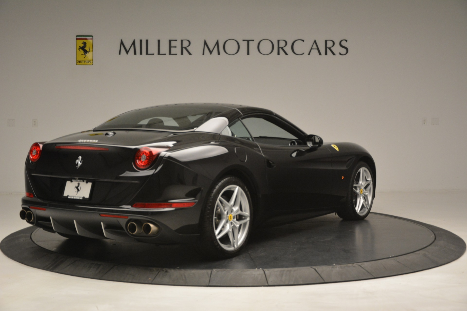Used 2016 Ferrari California T  For Sale In Greenwich, CT 3082_p16