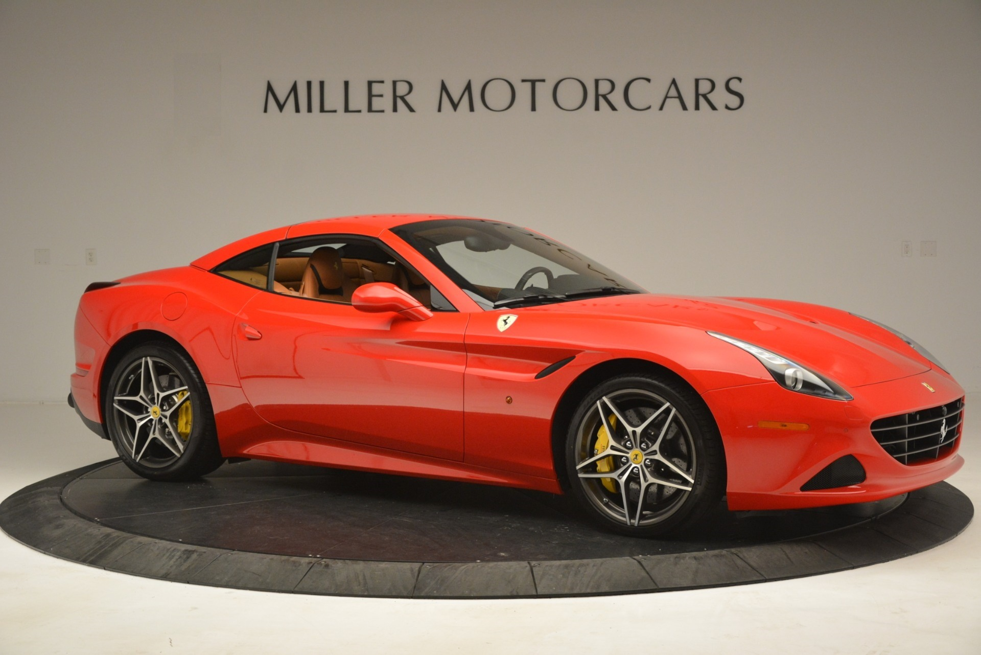 Used 2017 Ferrari California T Handling Speciale For Sale In Greenwich, CT 3086_p18