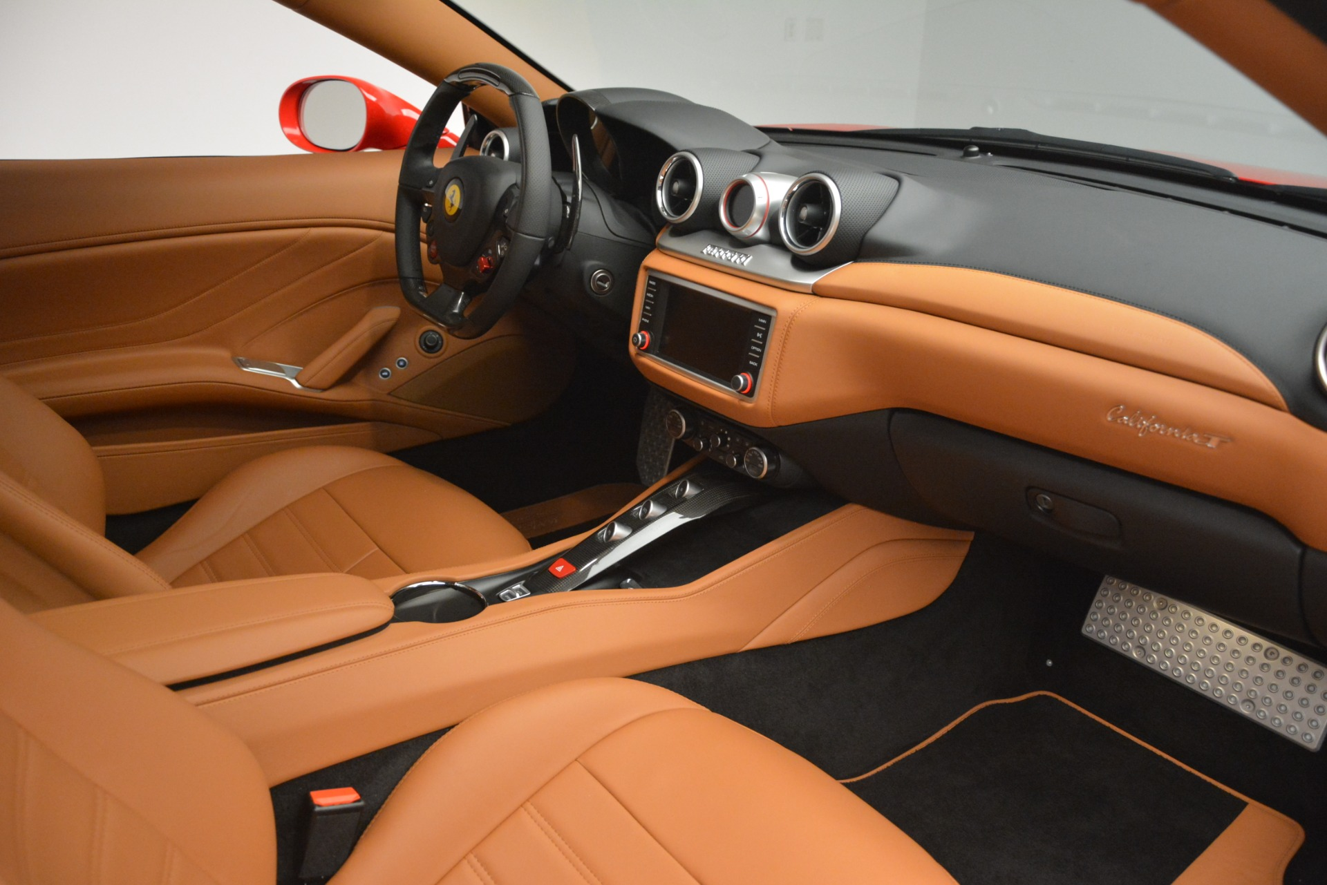 Used 2017 Ferrari California T Handling Speciale For Sale In Greenwich, CT 3086_p23