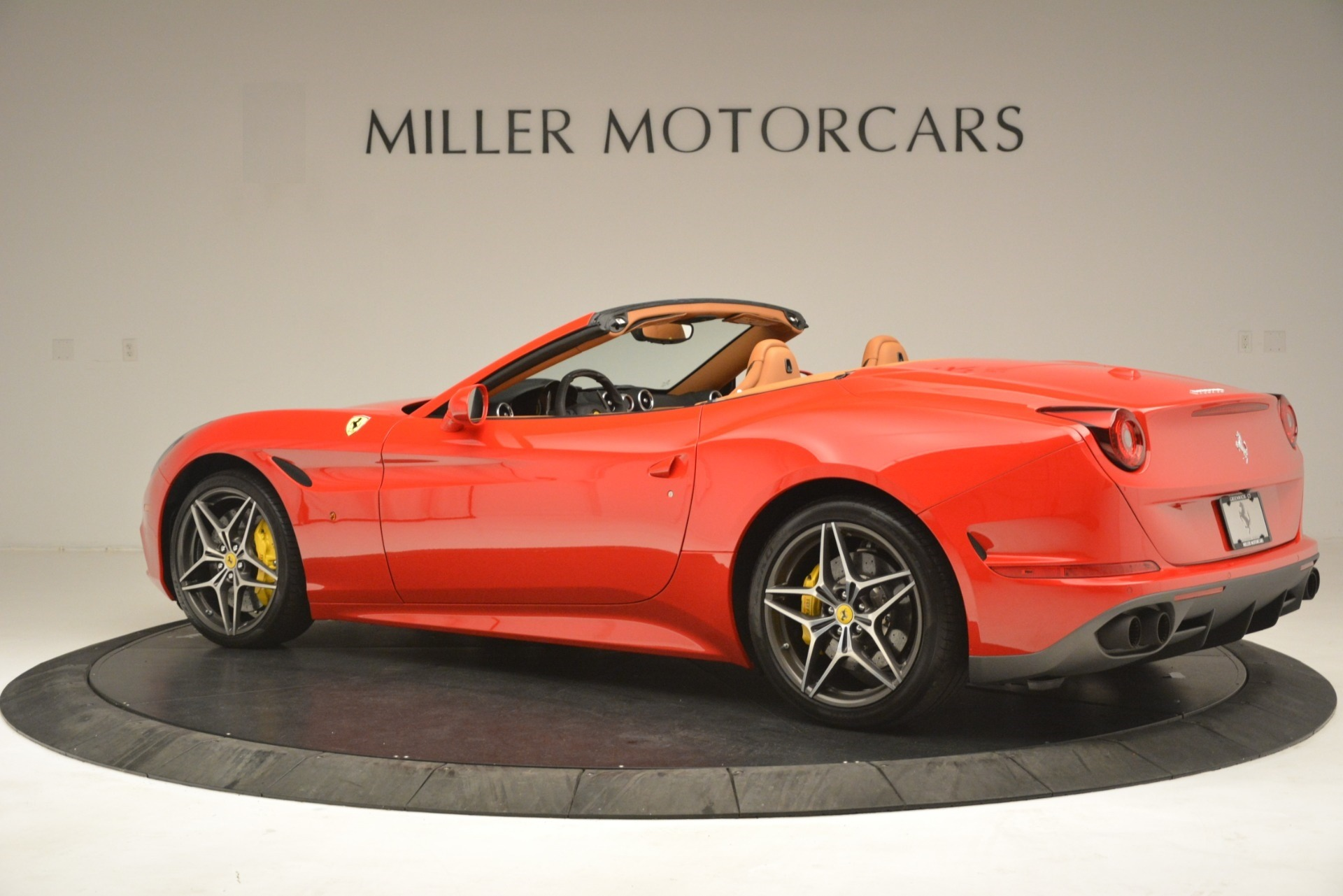 Used 2017 Ferrari California T Handling Speciale For Sale In Greenwich, CT 3086_p4