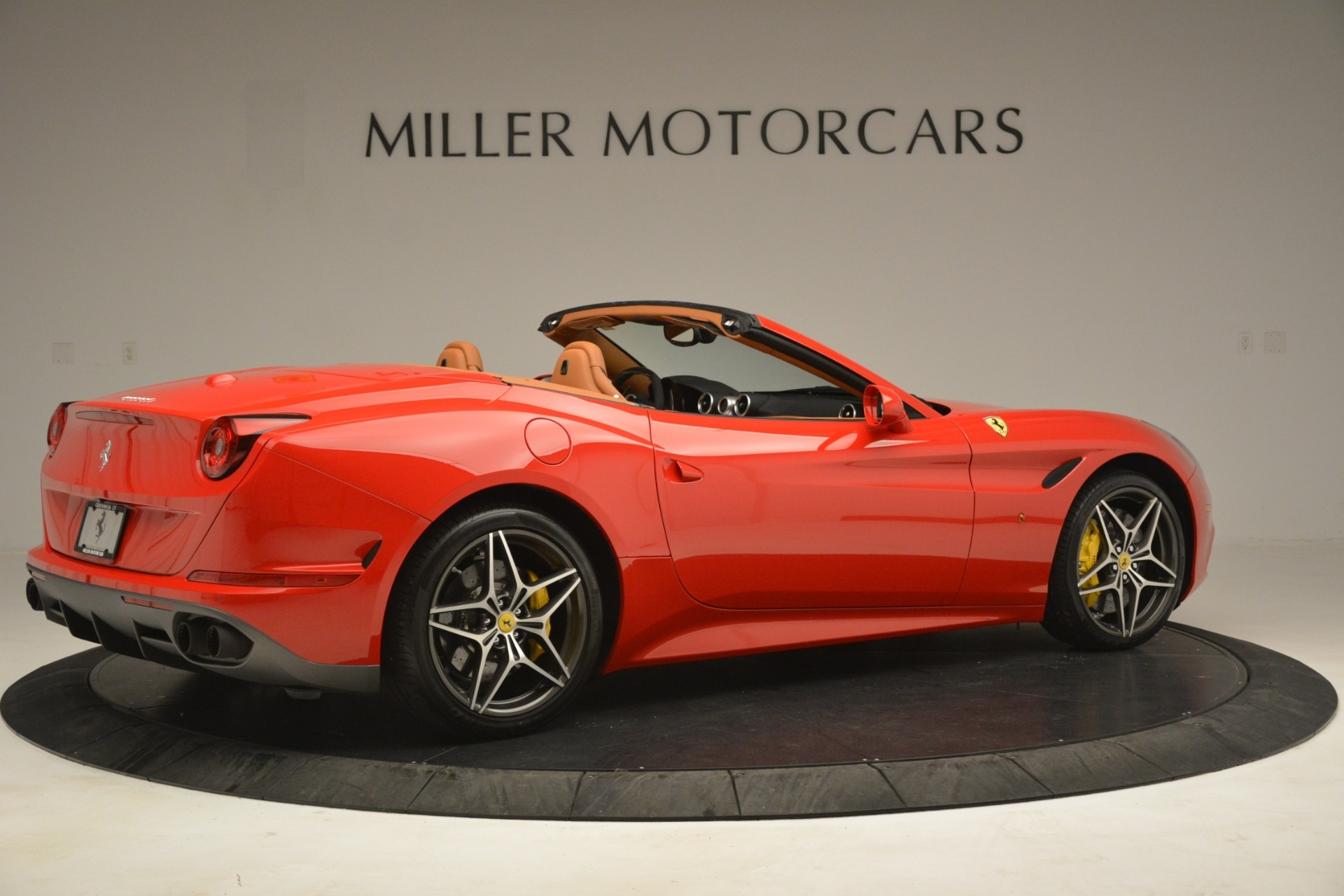Used 2017 Ferrari California T Handling Speciale For Sale In Greenwich, CT 3086_p8