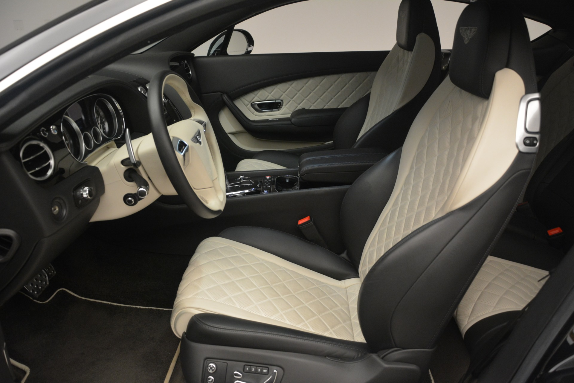 Used 2016 Bentley Continental GT V8 S For Sale In Greenwich, CT 3088_p18