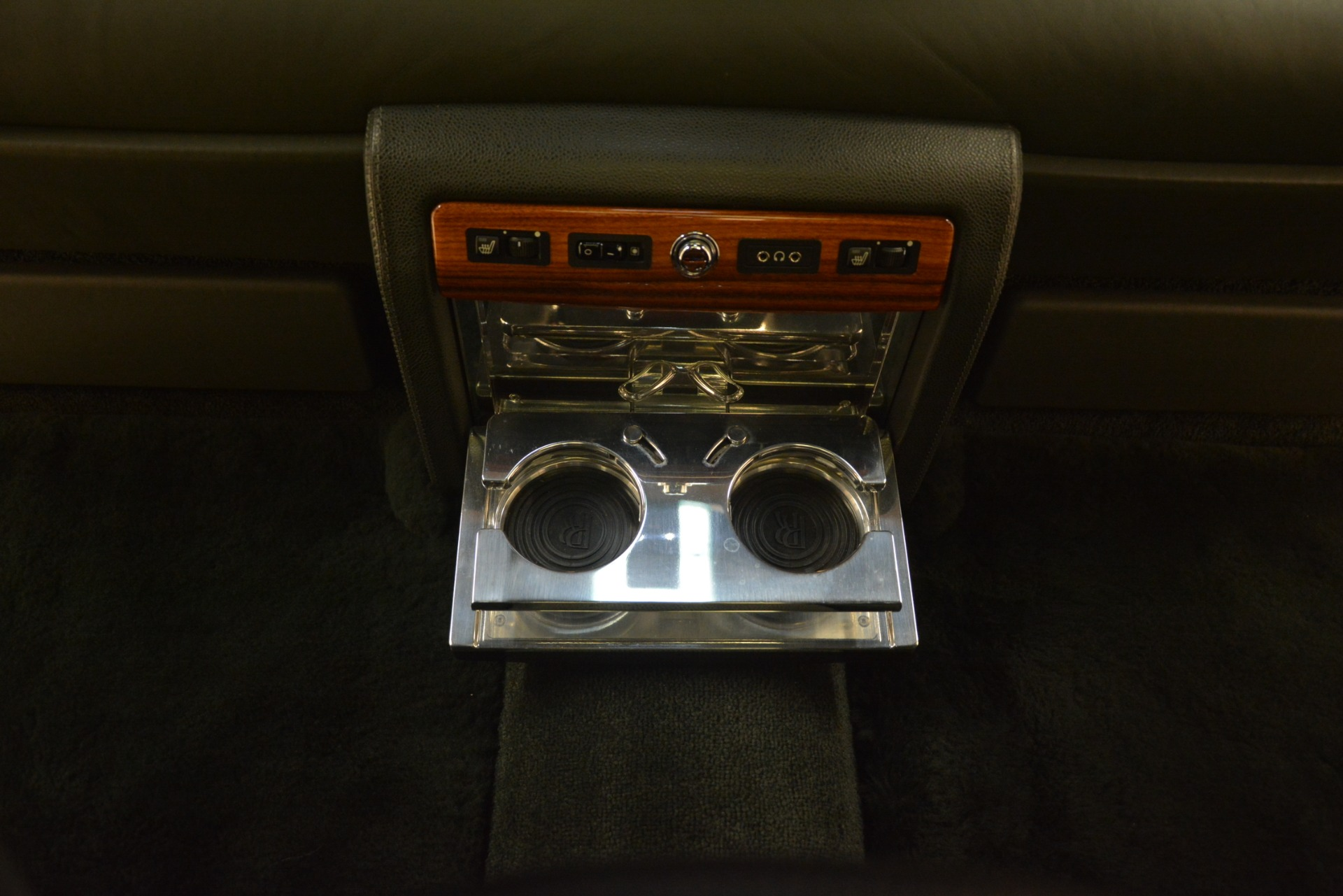 Used 2007 Rolls-Royce Phantom  For Sale In Greenwich, CT 3089_p32
