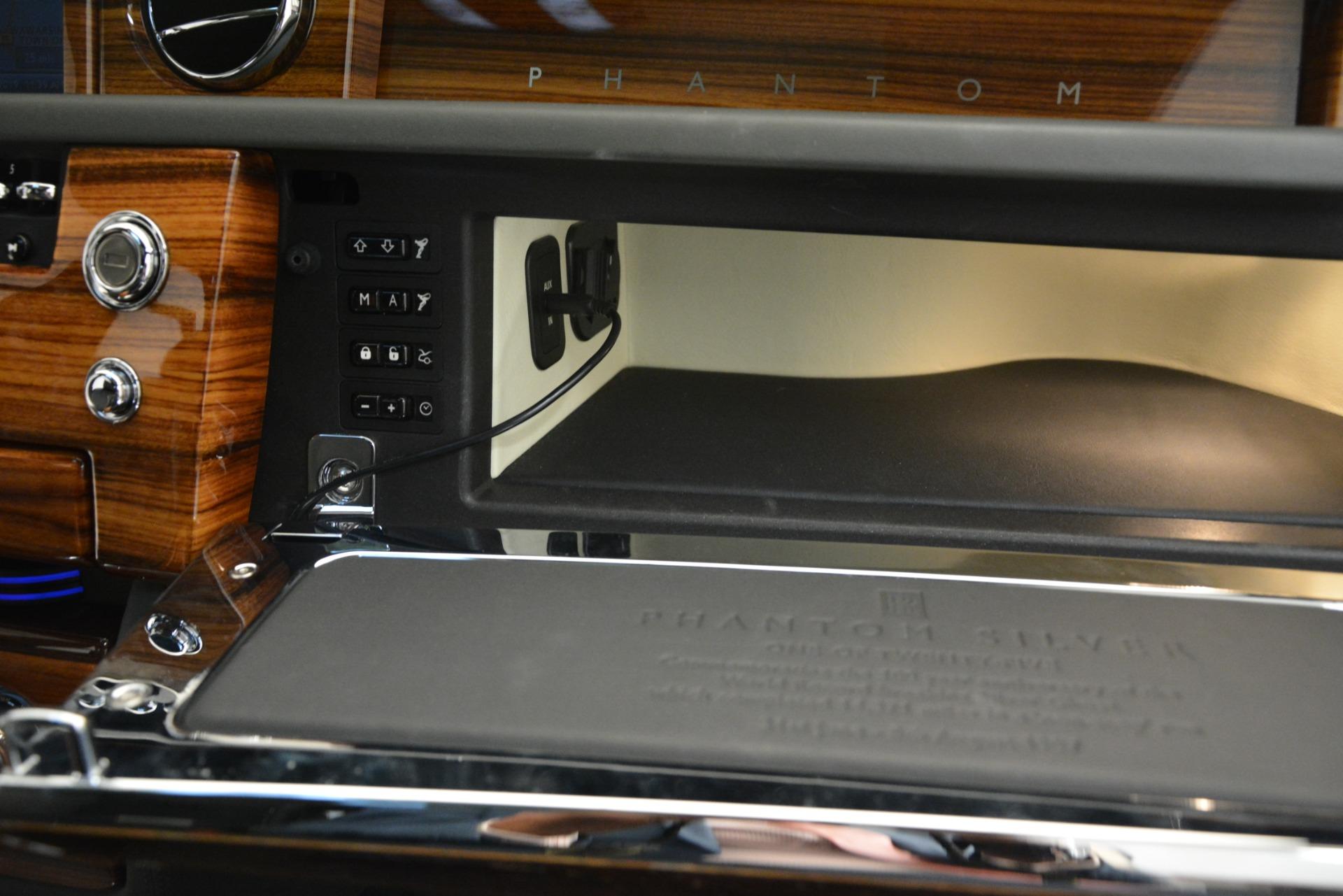 Used 2007 Rolls-Royce Phantom  For Sale In Greenwich, CT 3089_p38