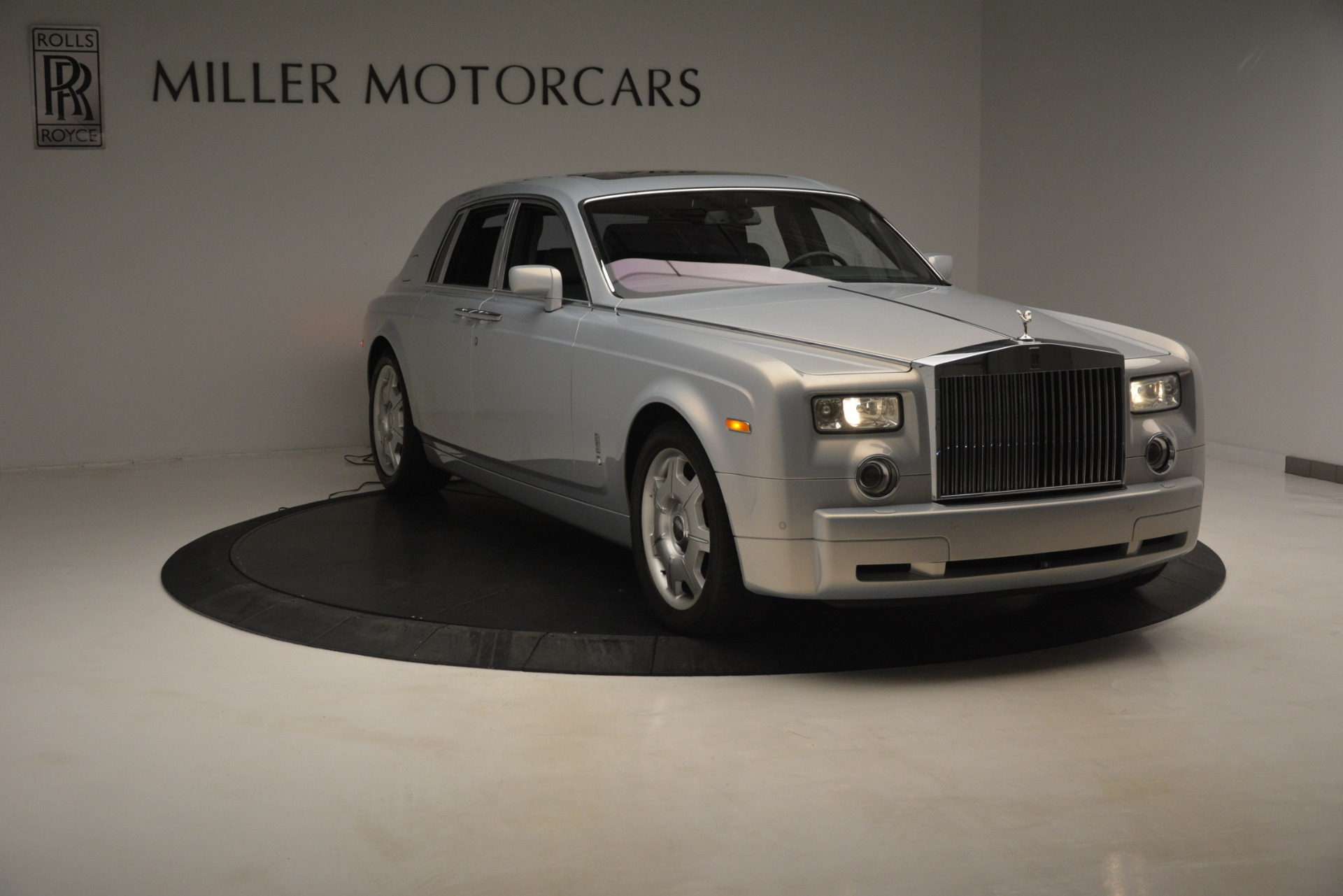 Used 2007 Rolls-Royce Phantom  For Sale In Greenwich, CT 3089_p4