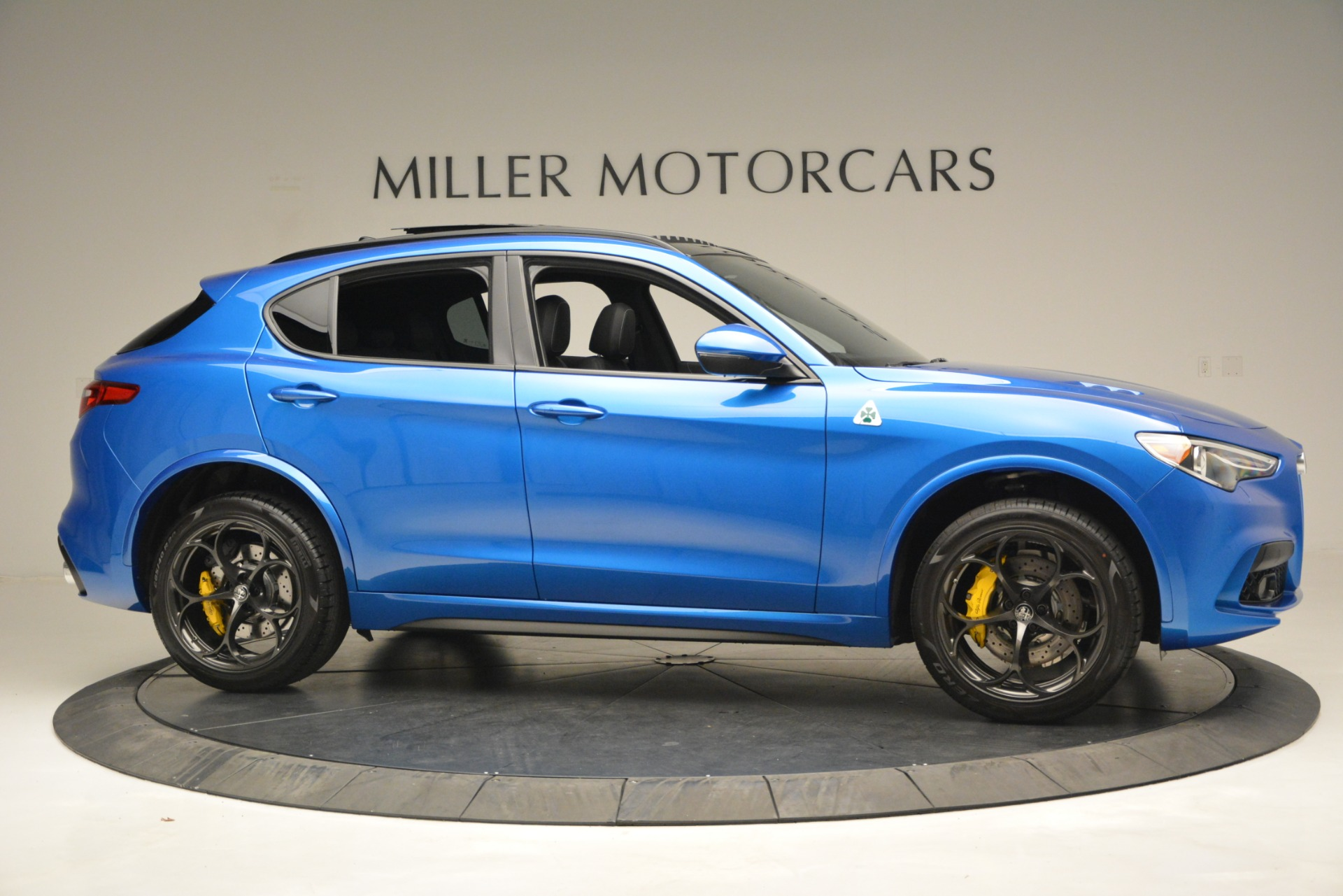 New 2019 Alfa Romeo Stelvio Quadrifoglio For Sale In Greenwich, CT 3094_p15