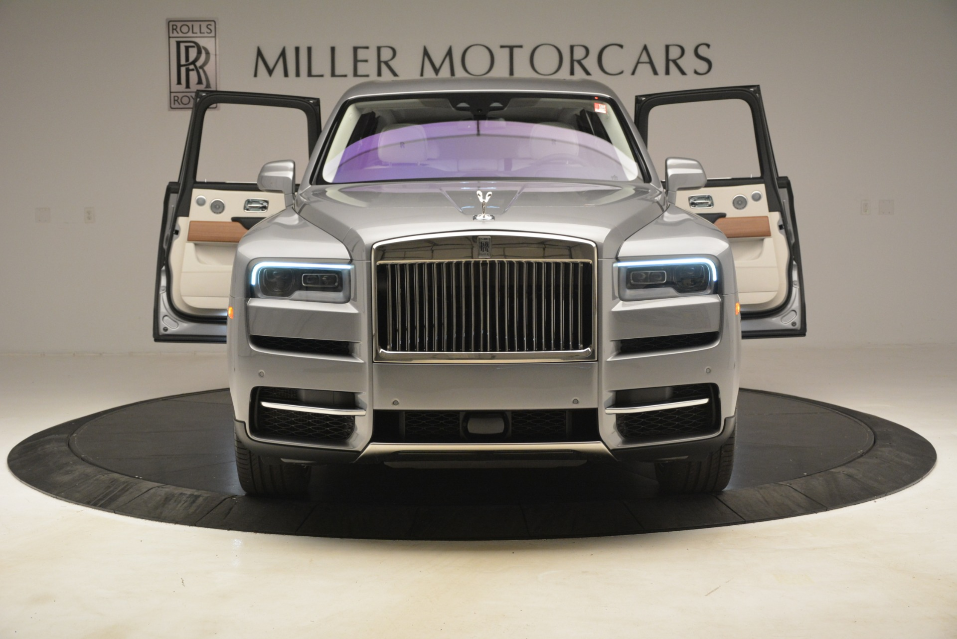 New 2019 Rolls-Royce Cullinan  For Sale In Greenwich, CT 3097_p15