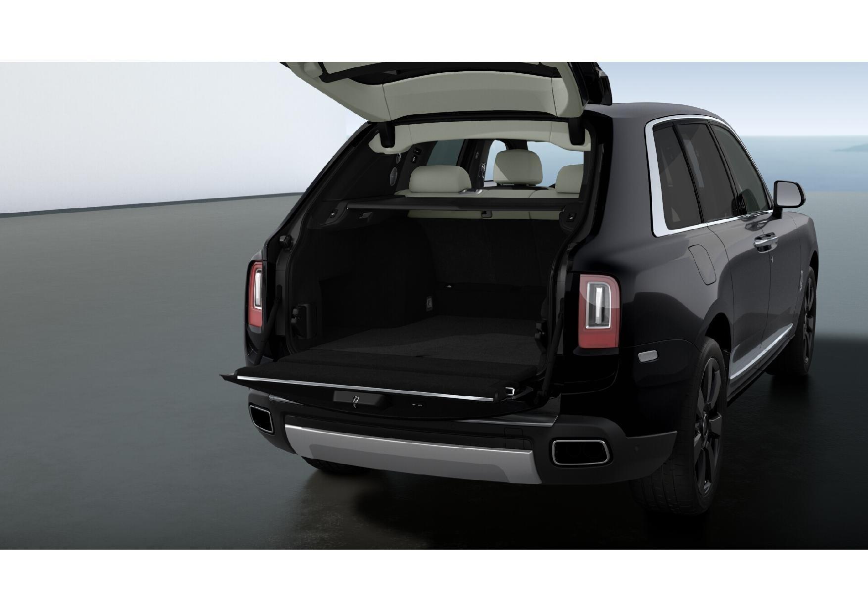 New 2019 Rolls-Royce Cullinan  For Sale In Greenwich, CT 3100_p6