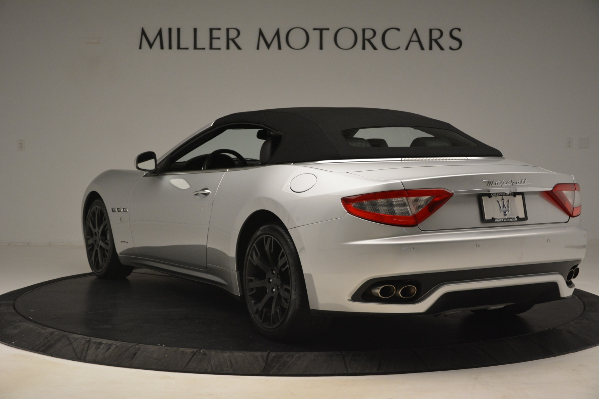 Used 2016 Maserati GranTurismo  For Sale In Greenwich, CT 3111_p15