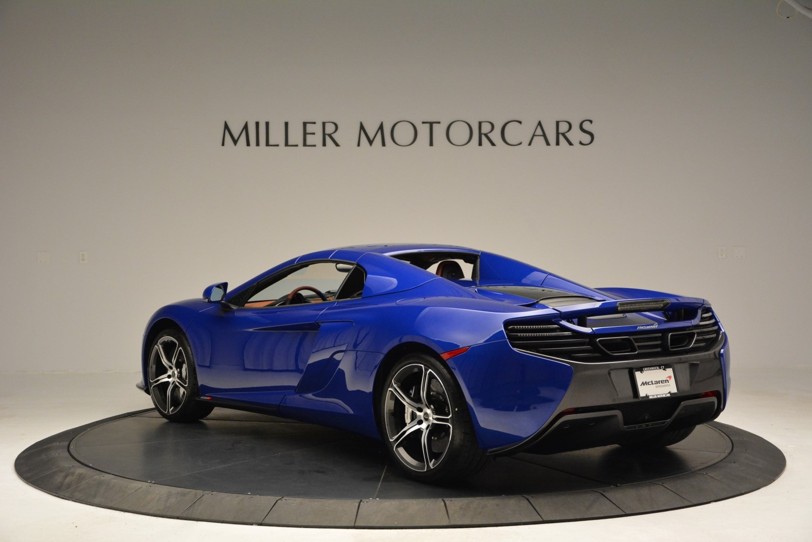 Used 2015 McLaren 650S Spider Convertible For Sale In Greenwich, CT 3112_p16