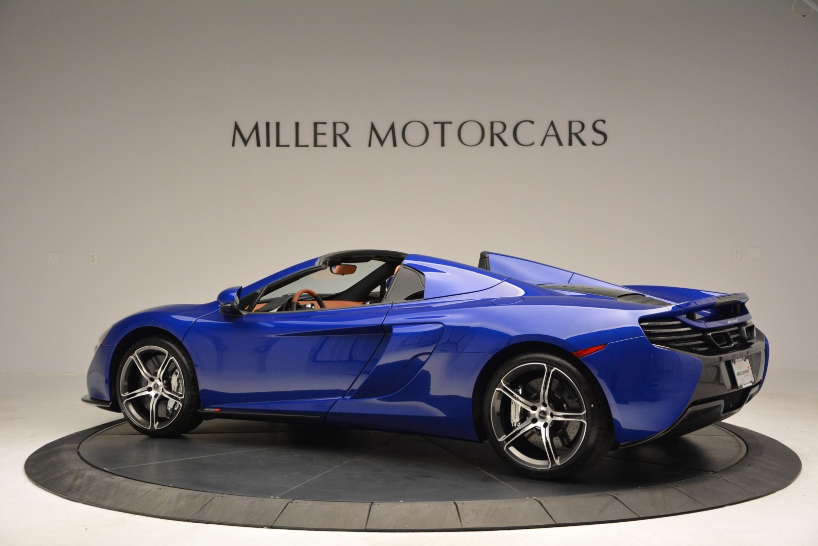 Used 2015 McLaren 650S Spider Convertible For Sale In Greenwich, CT 3112_p4