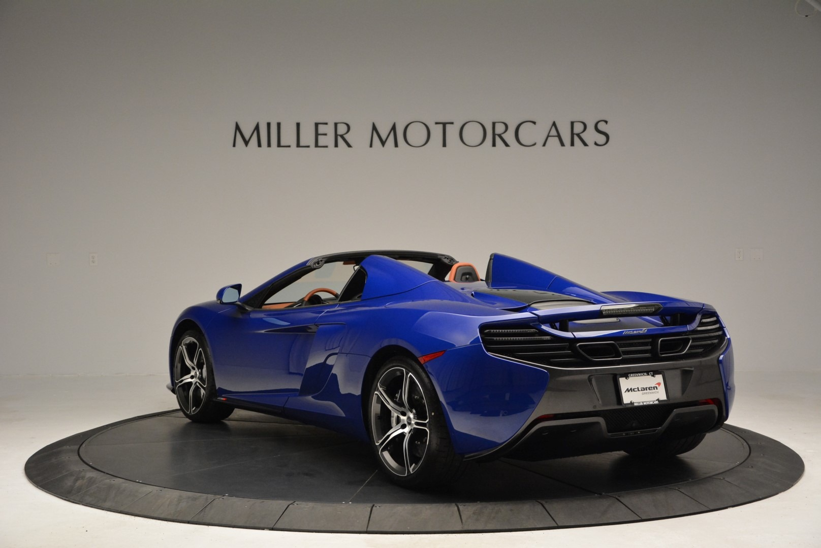 Used 2015 McLaren 650S Spider Convertible For Sale In Greenwich, CT 3112_p5