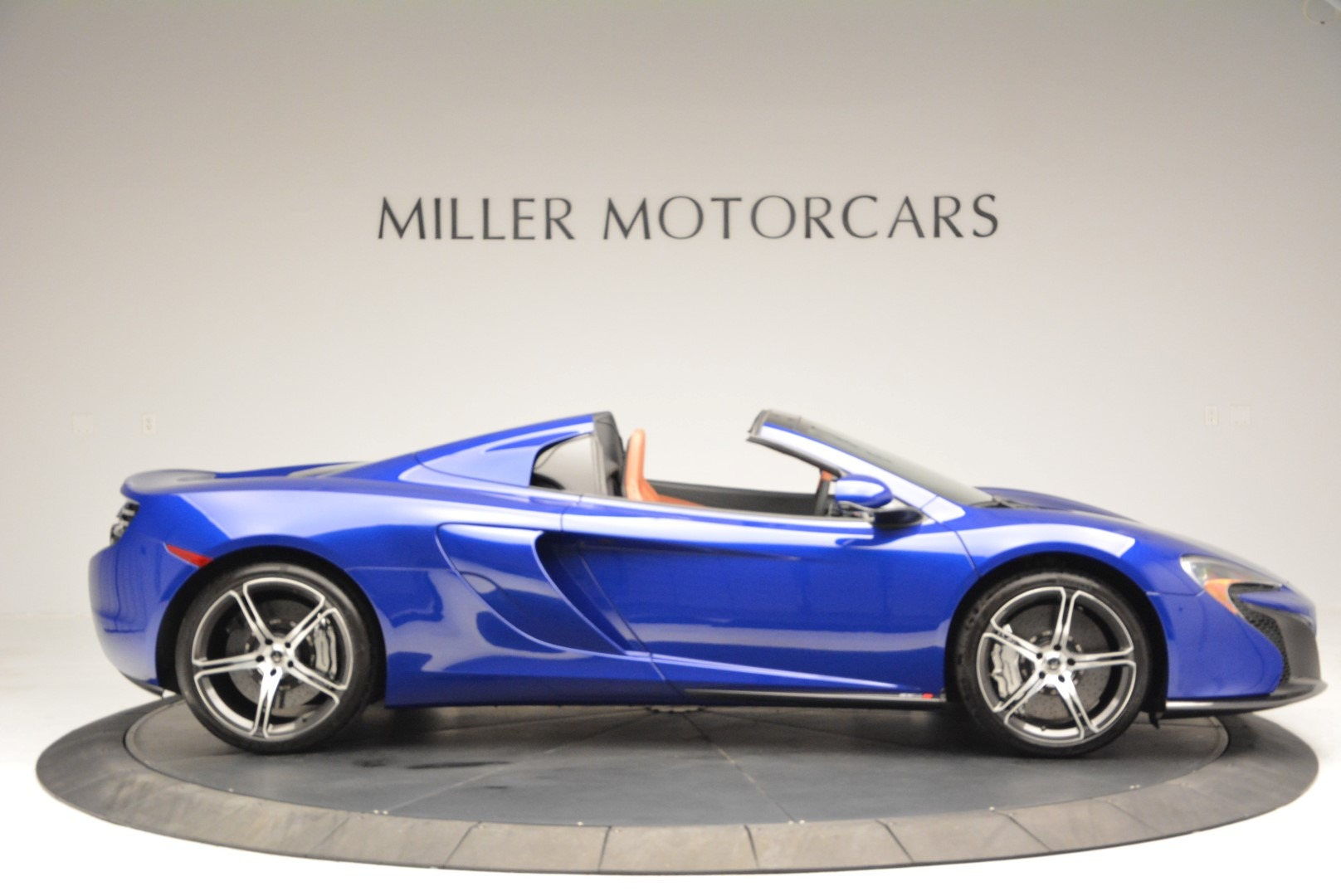 Used 2015 McLaren 650S Spider Convertible For Sale In Greenwich, CT 3112_p9