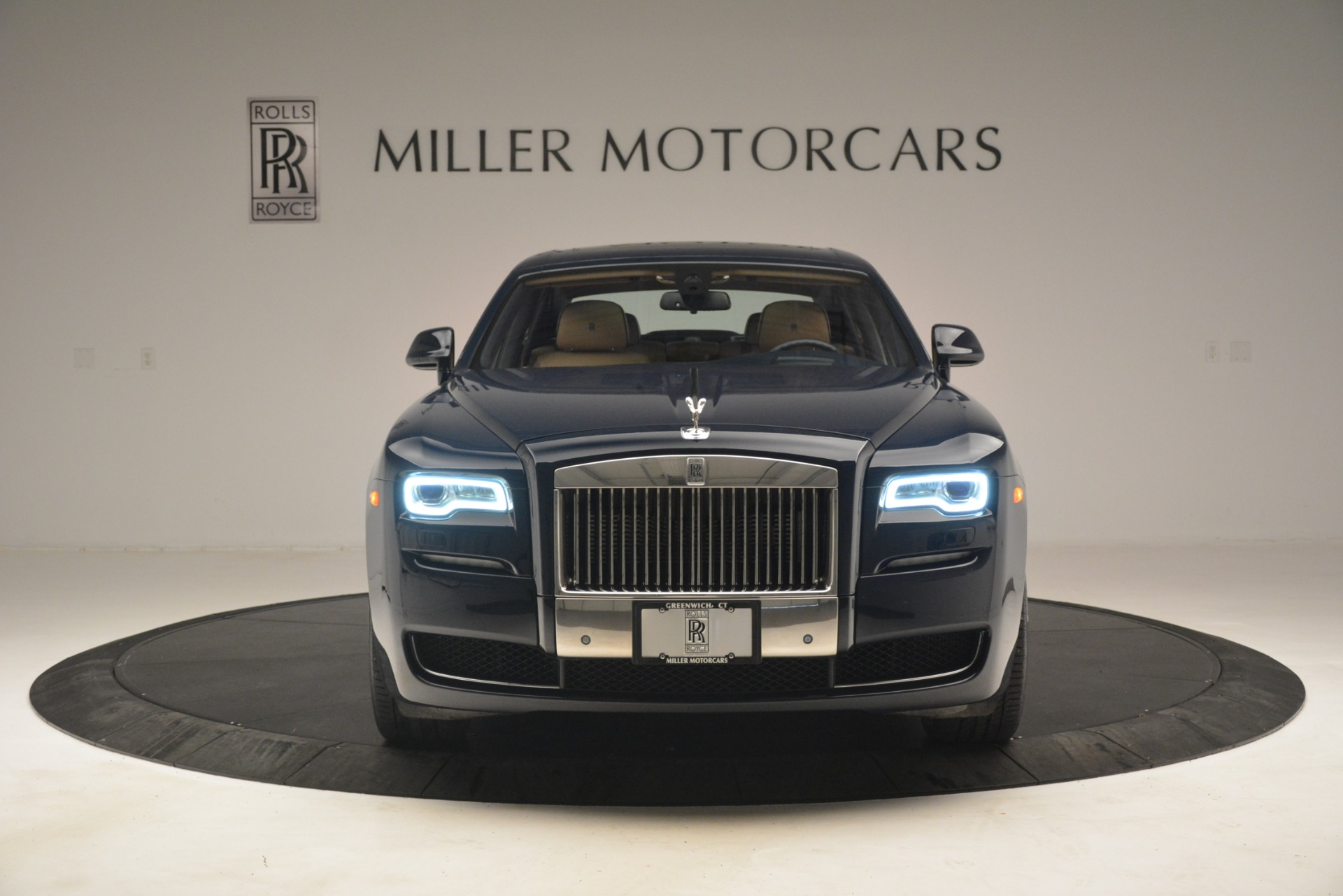 Used 2015 Rolls-Royce Ghost  For Sale In Greenwich, CT 3113_p2