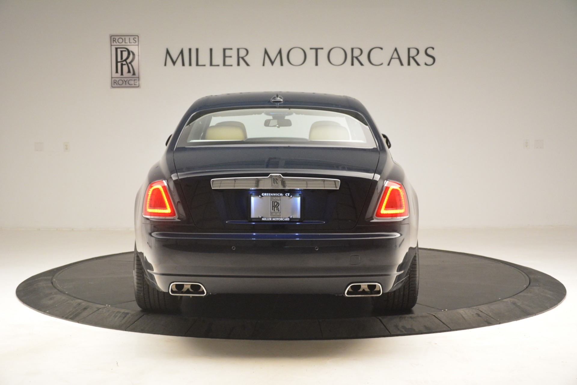Used 2015 Rolls-Royce Ghost  For Sale In Greenwich, CT 3113_p9
