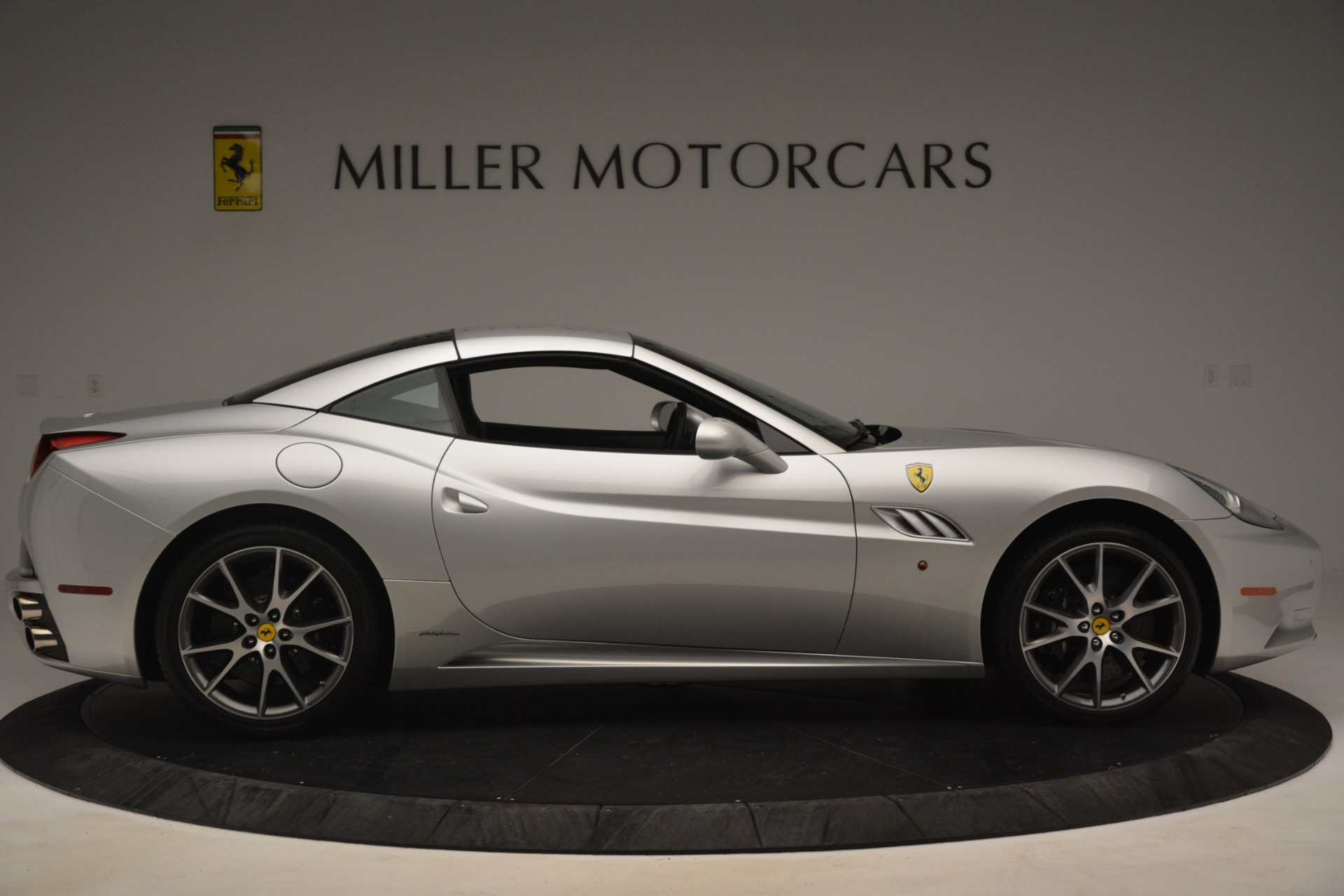 Used 2012 Ferrari California  For Sale In Greenwich, CT 3117_p17