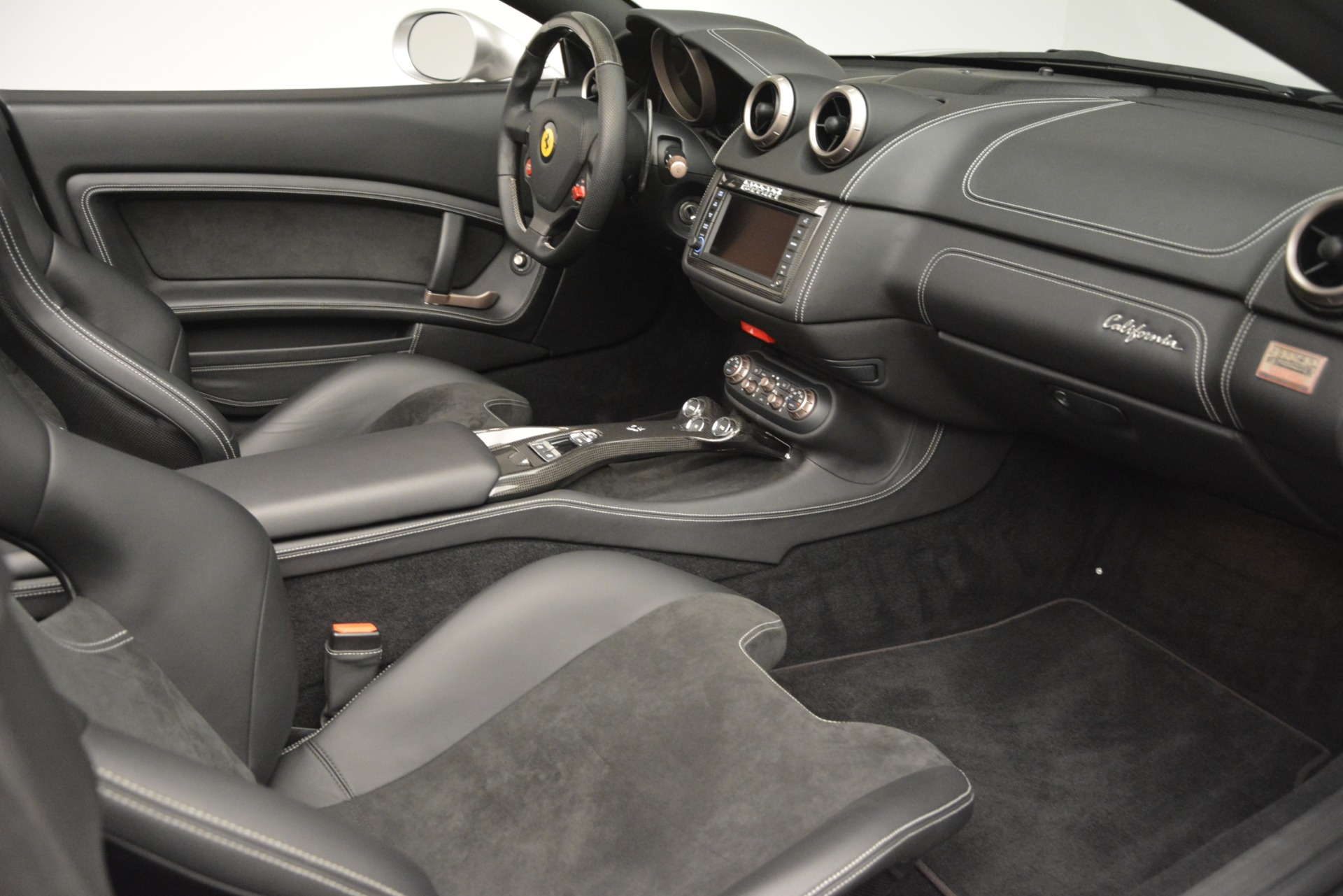 Used 2012 Ferrari California  For Sale In Greenwich, CT 3117_p24