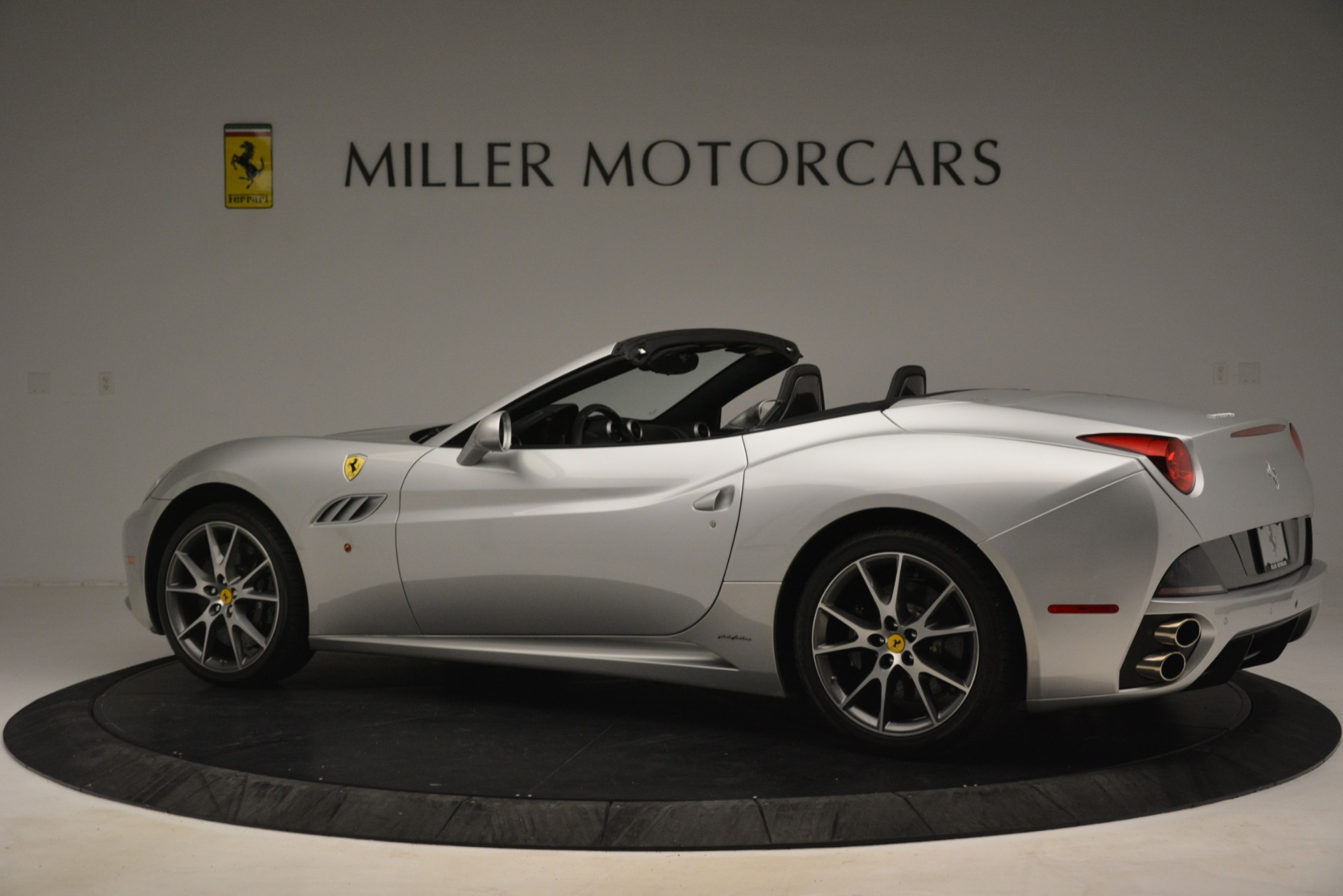 Used 2012 Ferrari California  For Sale In Greenwich, CT 3117_p4