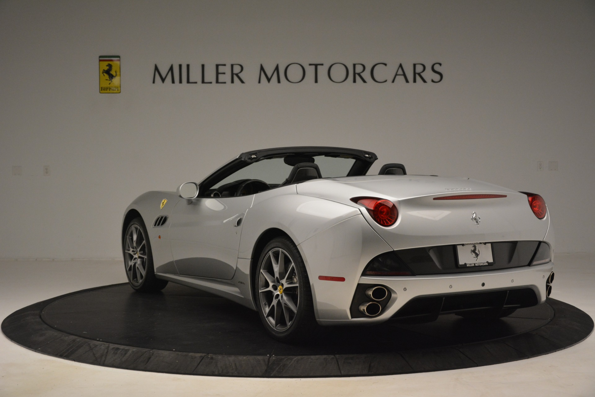 Used 2012 Ferrari California  For Sale In Greenwich, CT 3117_p5