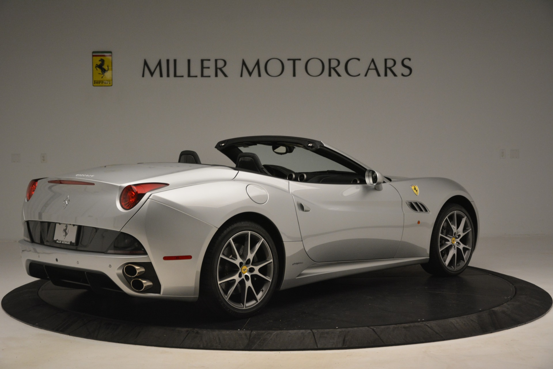 Used 2012 Ferrari California  For Sale In Greenwich, CT 3117_p8