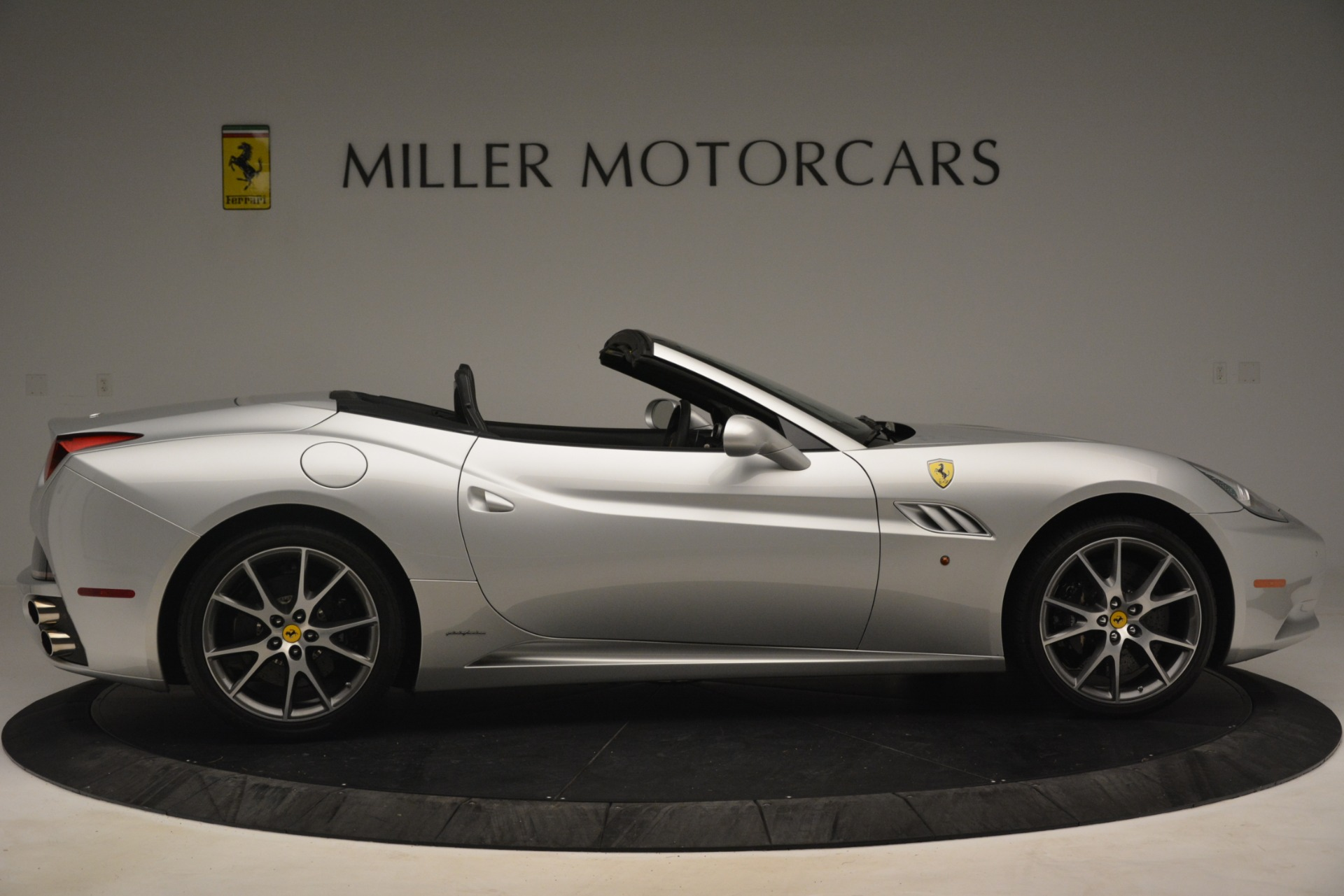 Used 2012 Ferrari California  For Sale In Greenwich, CT 3117_p9