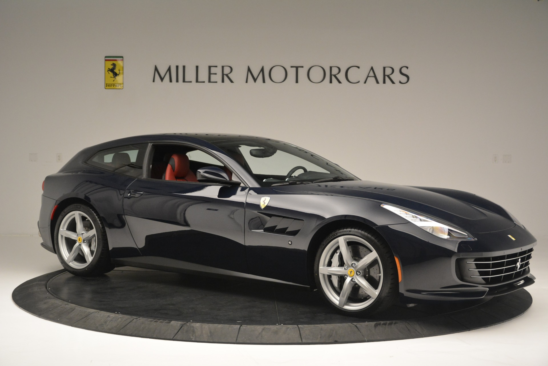Used 2019 Ferrari GTC4Lusso  For Sale In Greenwich, CT 3118_p10