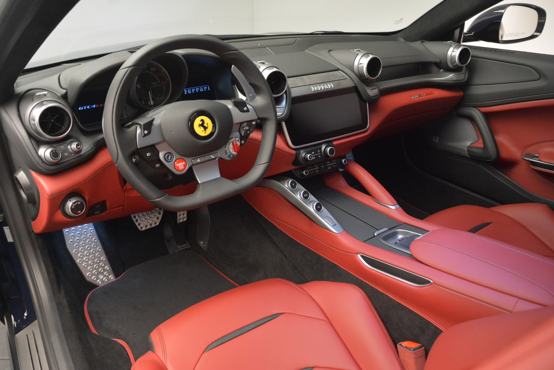 Used 2019 Ferrari GTC4Lusso  For Sale In Greenwich, CT 3118_p13