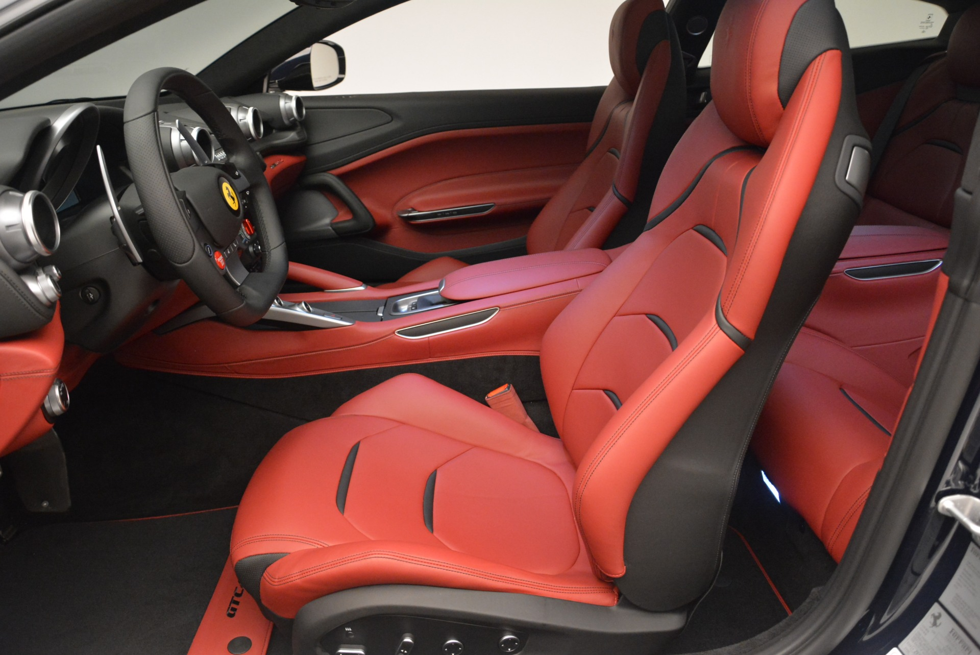 Used 2019 Ferrari GTC4Lusso  For Sale In Greenwich, CT 3118_p14