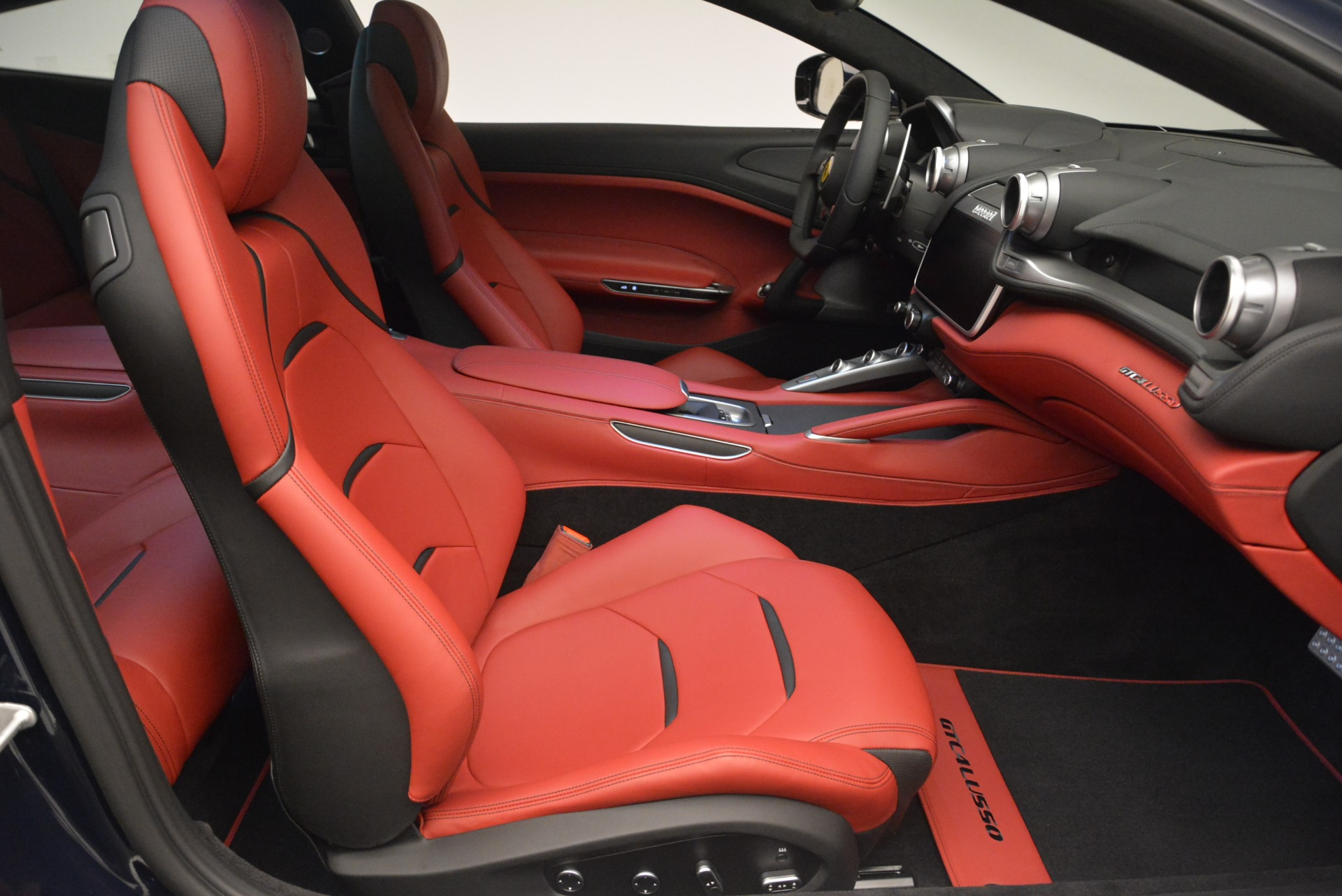 Used 2019 Ferrari GTC4Lusso  For Sale In Greenwich, CT 3118_p19