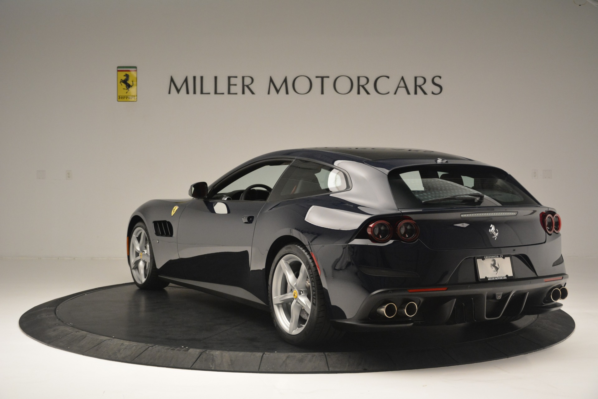 Used 2019 Ferrari GTC4Lusso  For Sale In Greenwich, CT 3118_p5