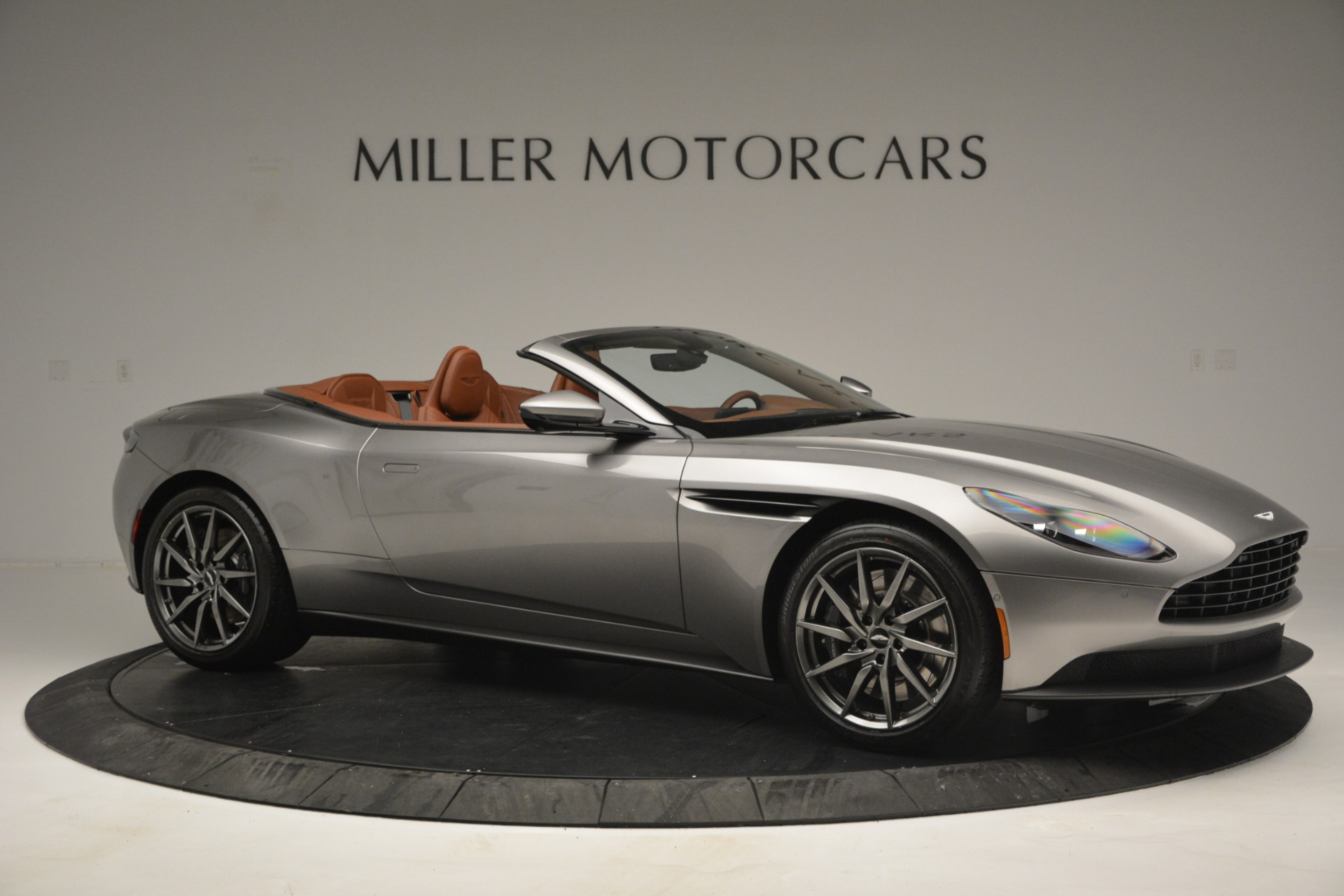 New 2019 Aston Martin DB11 V8 Convertible For Sale In Greenwich, CT 3121_p10