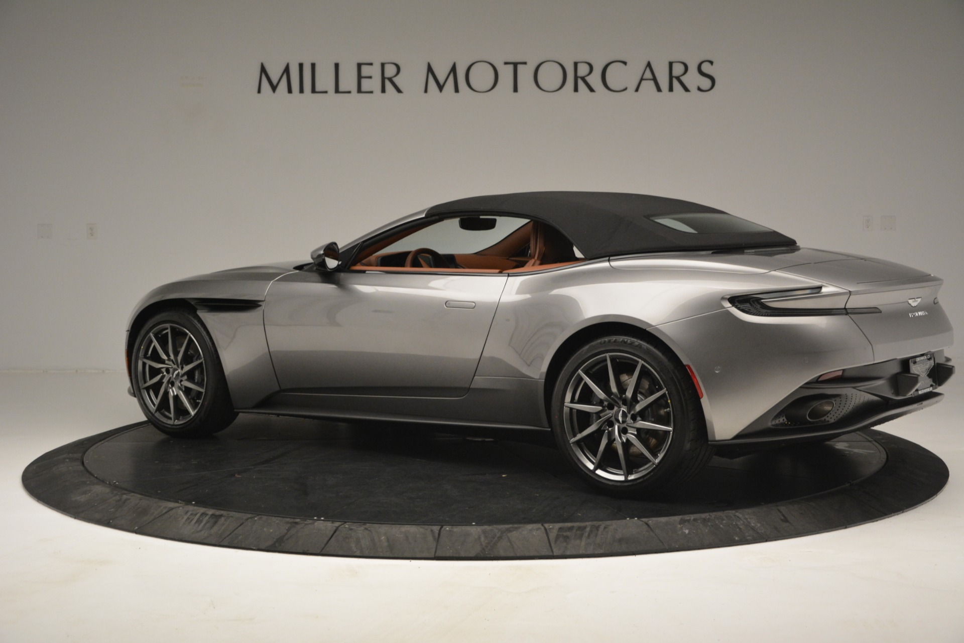 New 2019 Aston Martin DB11 V8 Convertible For Sale In Greenwich, CT 3121_p15